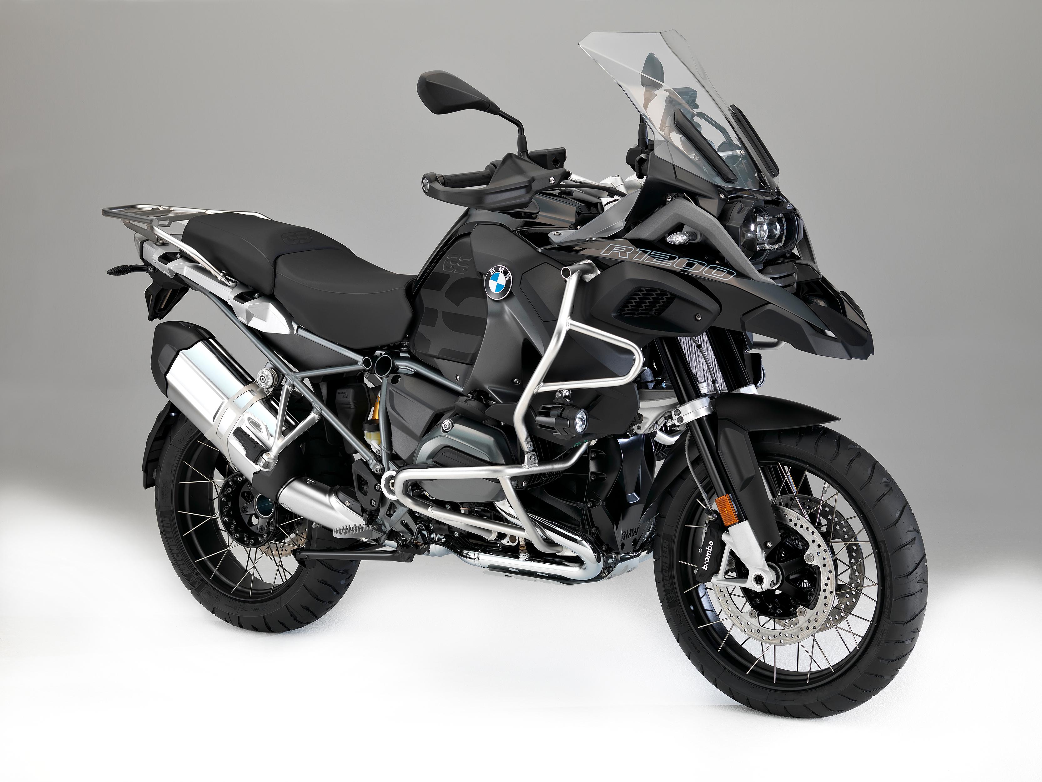 черный мотоцикл BMW скачать