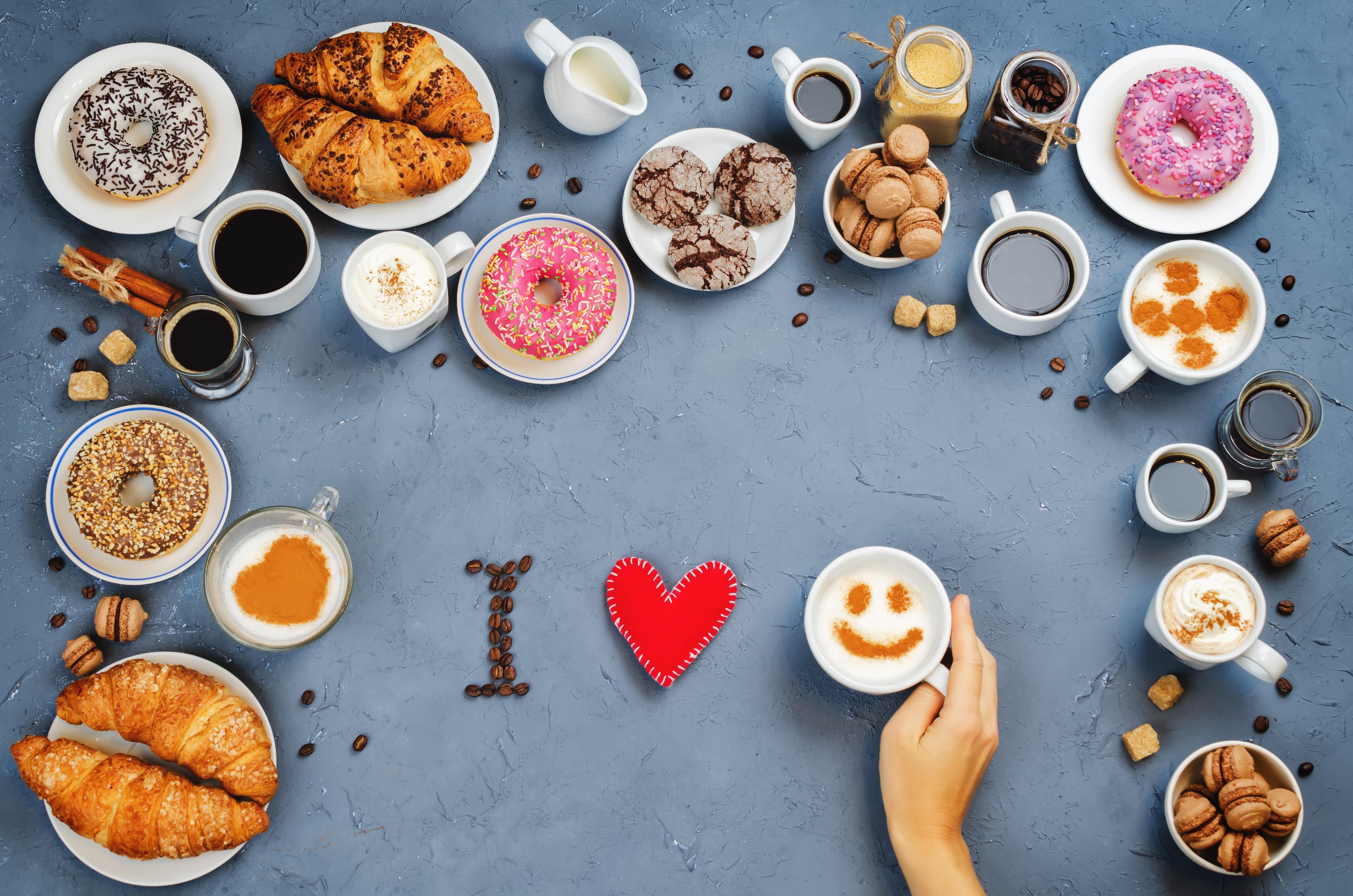 Картинки Любовь Пончики Круассан Чашка Продукты питания 4928x3264 Еда Пища