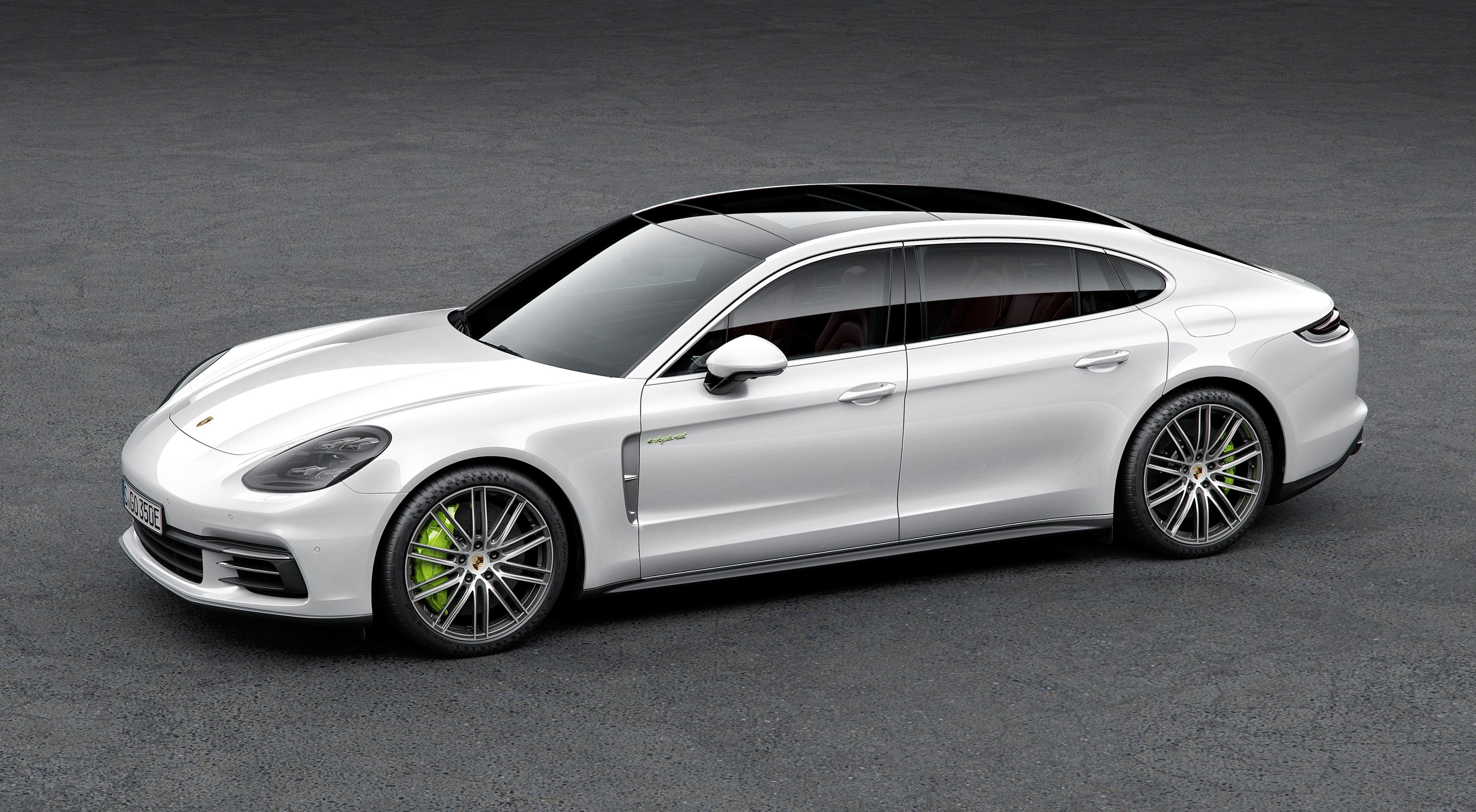 Обои для рабочего стола Порше Panamera 4, E-Hybrid Executive, 2016, Liftback Белый Сбоку автомобиль 3840x2114 Porsche белая белые белых авто машины машина Автомобили