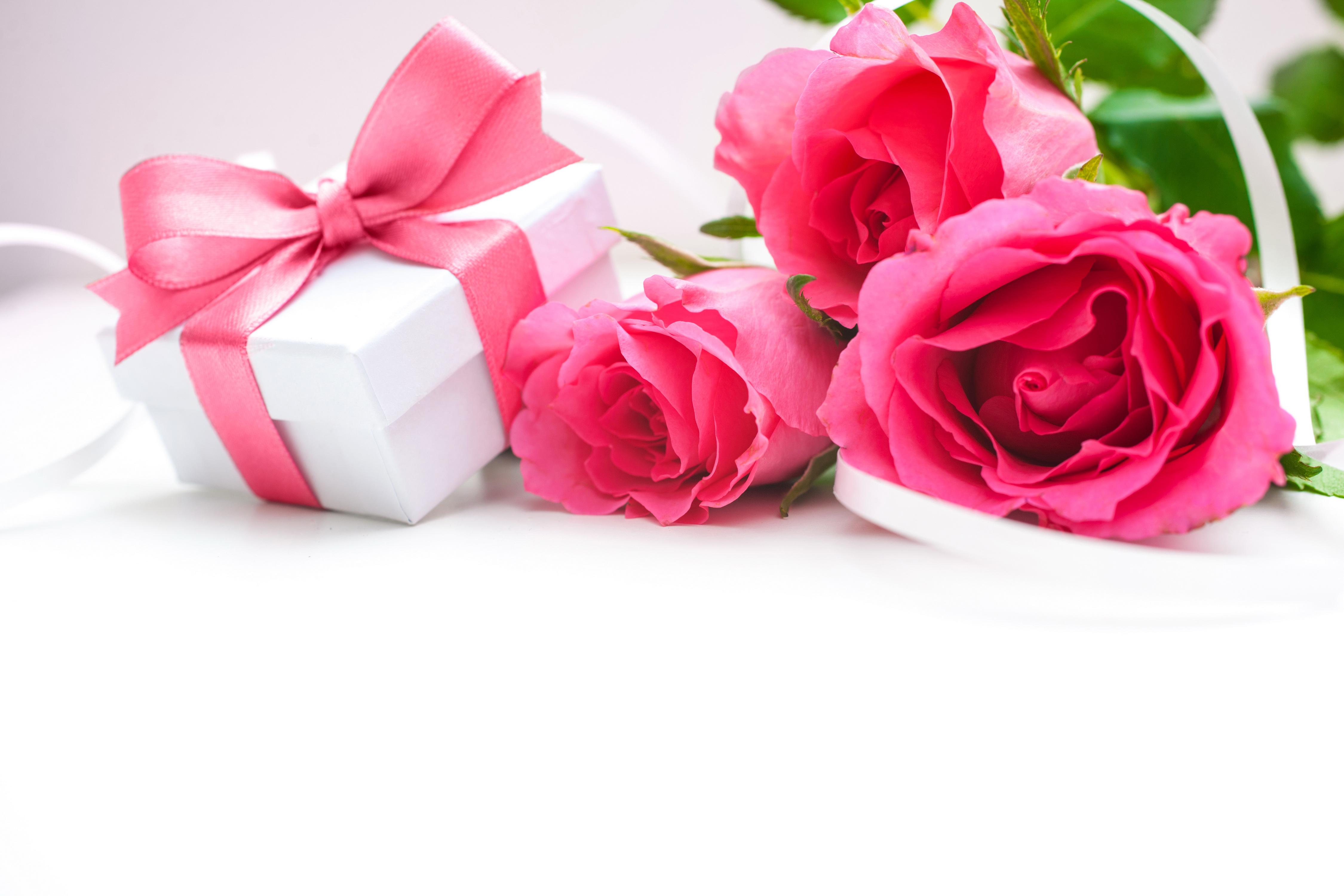 картинки с цветами и подарками