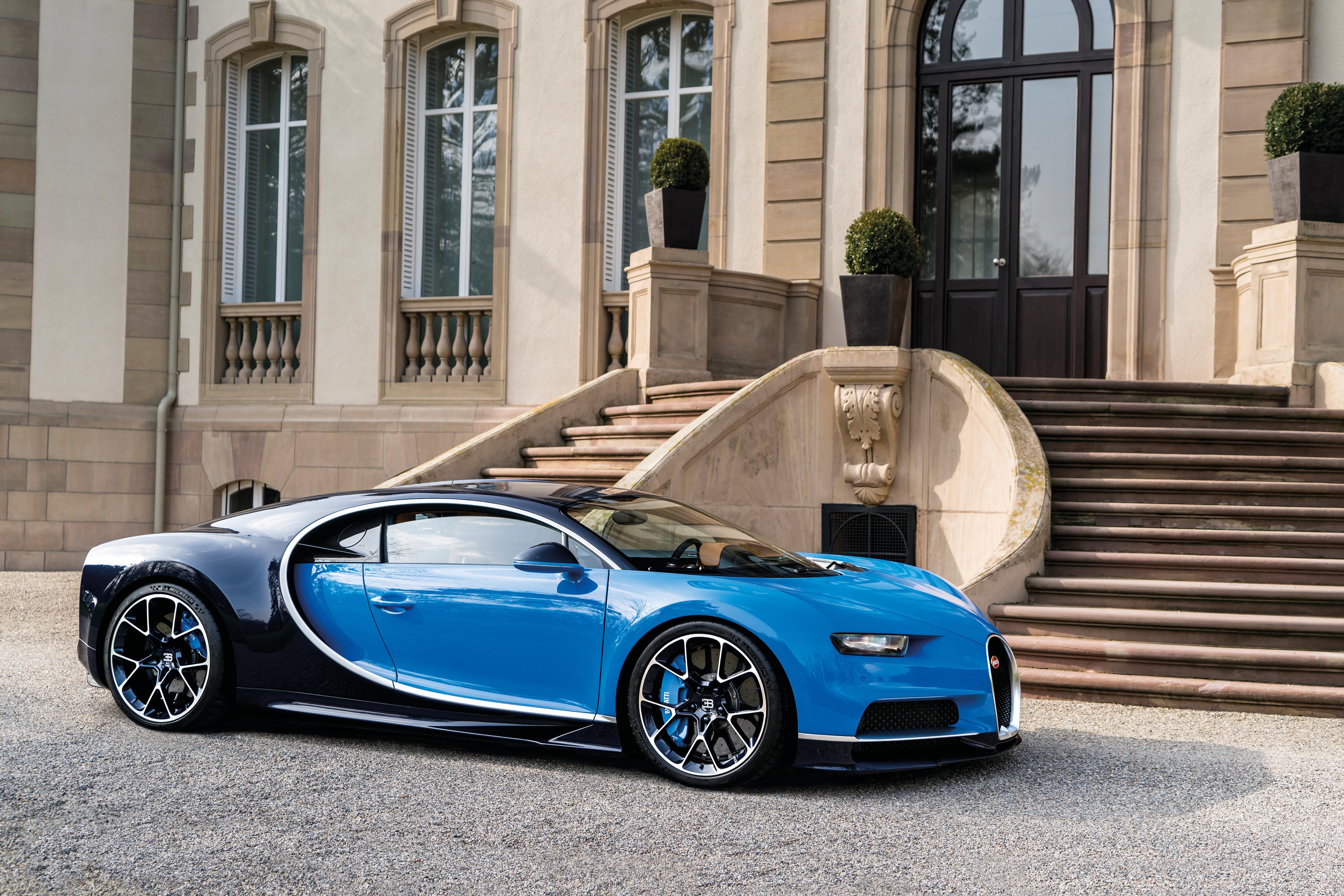 Bugatti Chiron дорога без смс
