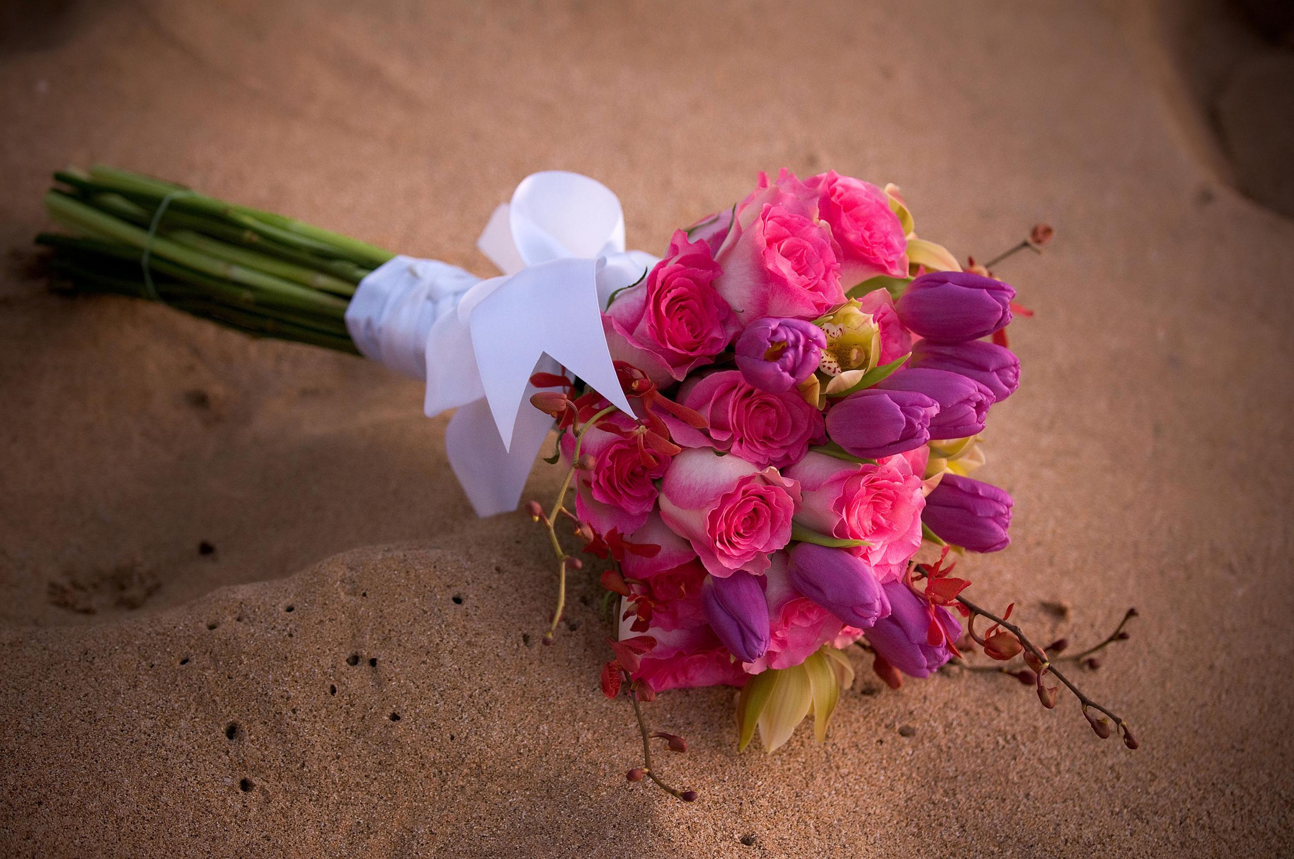 Картинки букет роза Орхидеи тюльпан Цветы 2560x1700 Букеты Розы орхидея Тюльпаны цветок