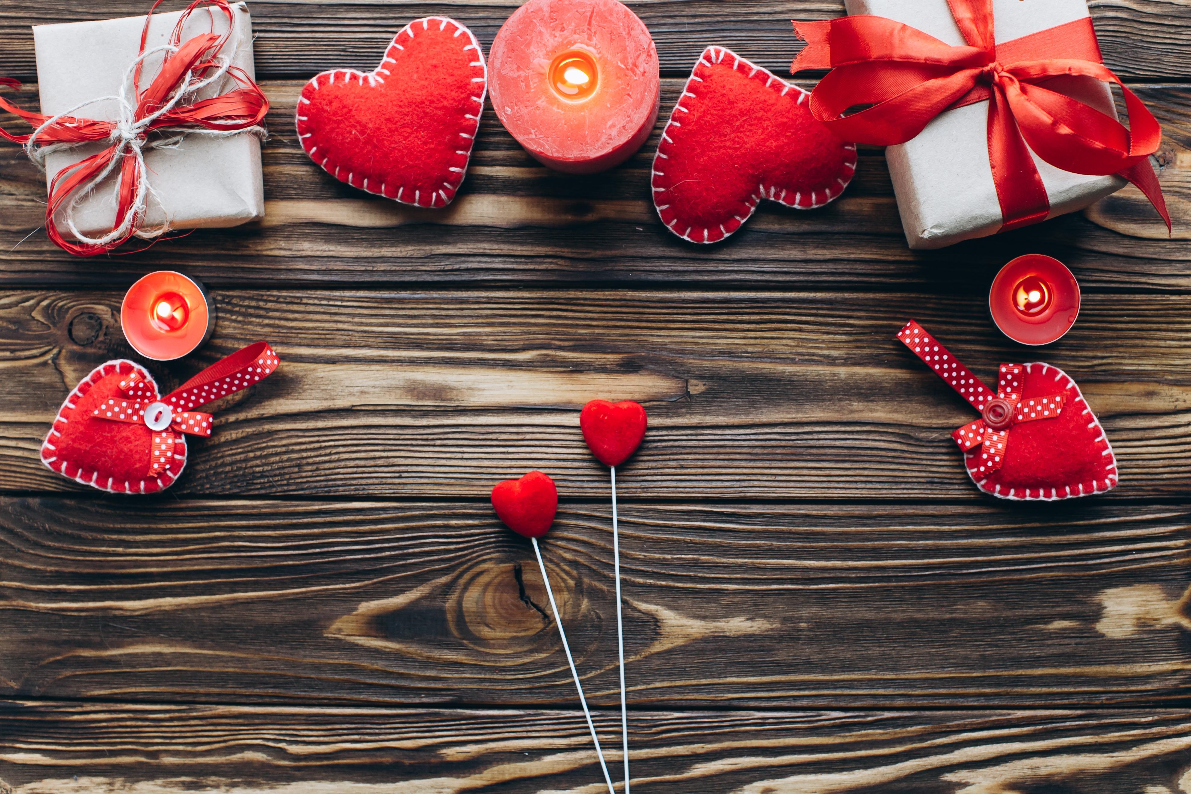 Фотографии День святого Валентина сердечко Подарки Свечи Шаблон поздравительной открытки Доски 3960x2640 День всех влюблённых серце Сердце сердца подарок подарков