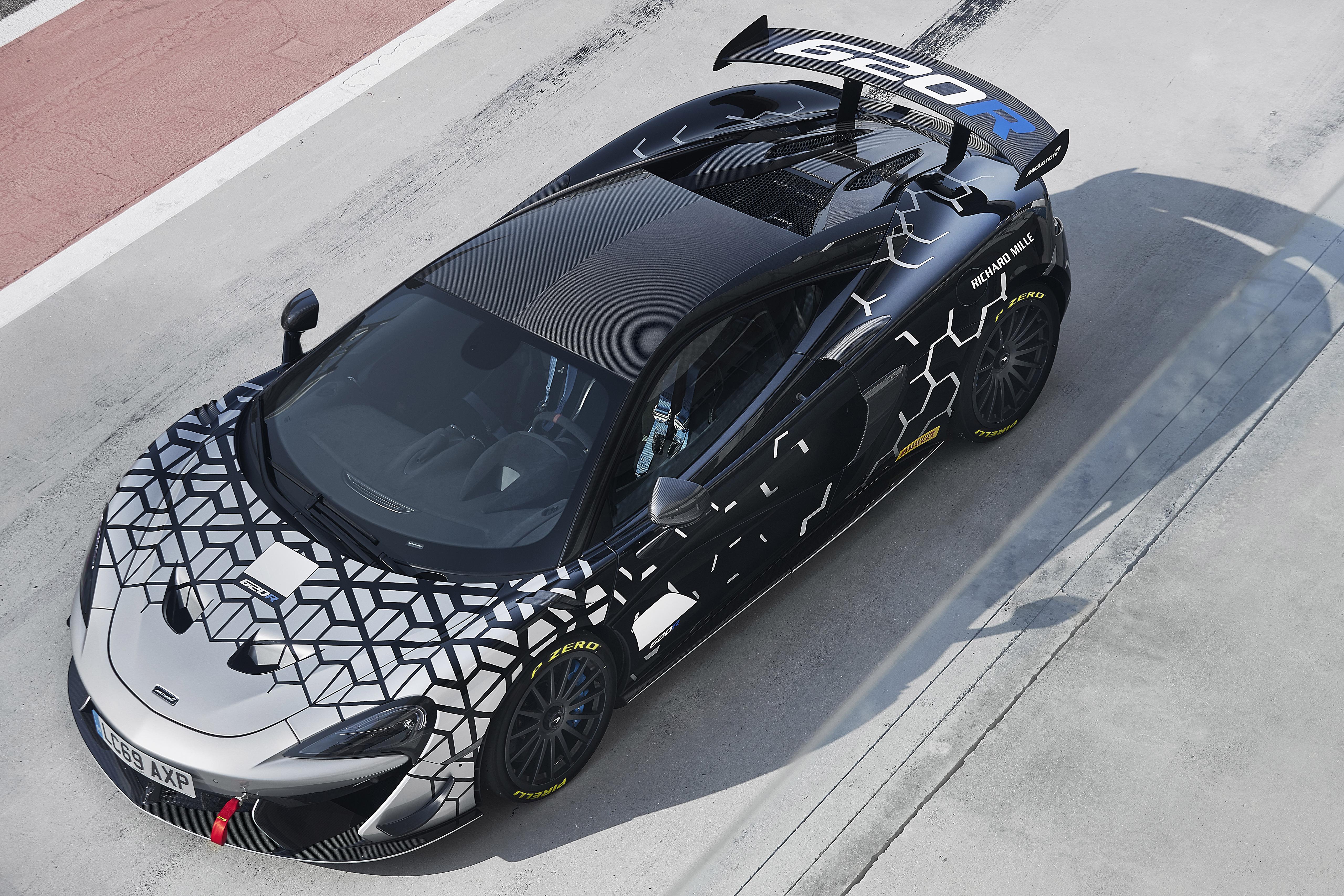 Картинки McLaren Тюнинг 2020 620R Worldwide Сверху автомобиль 5120x3413 Макларен Стайлинг авто машины машина Автомобили