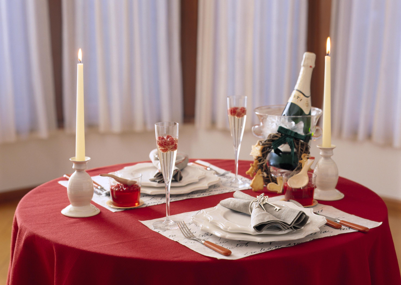 Обои тарелка, стол, свечи. Разное foto 14