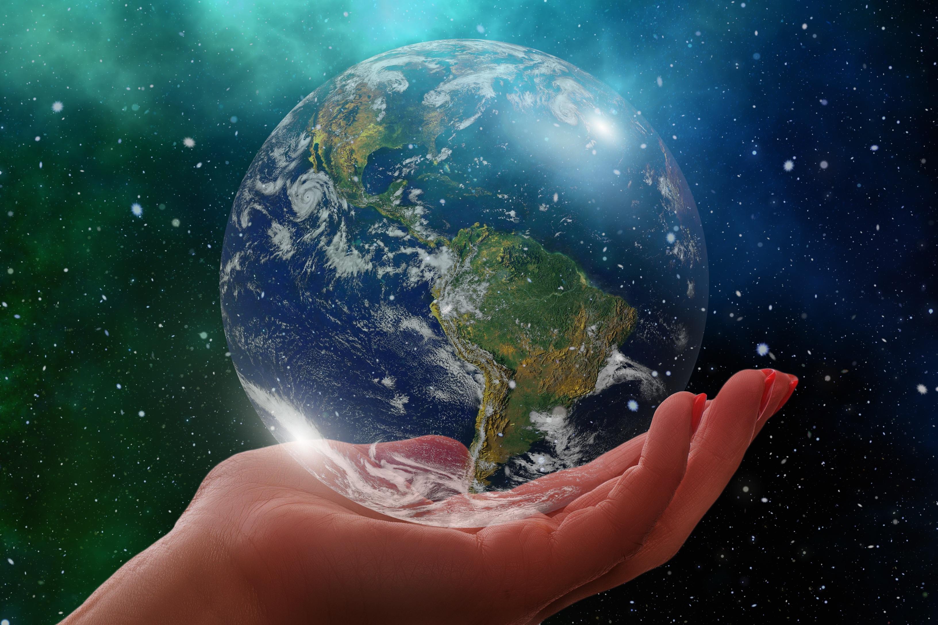 Картинки земли Планеты глобусом South America рука вблизи 3264x2176 Земля планета Глобус глобусы Руки Крупным планом