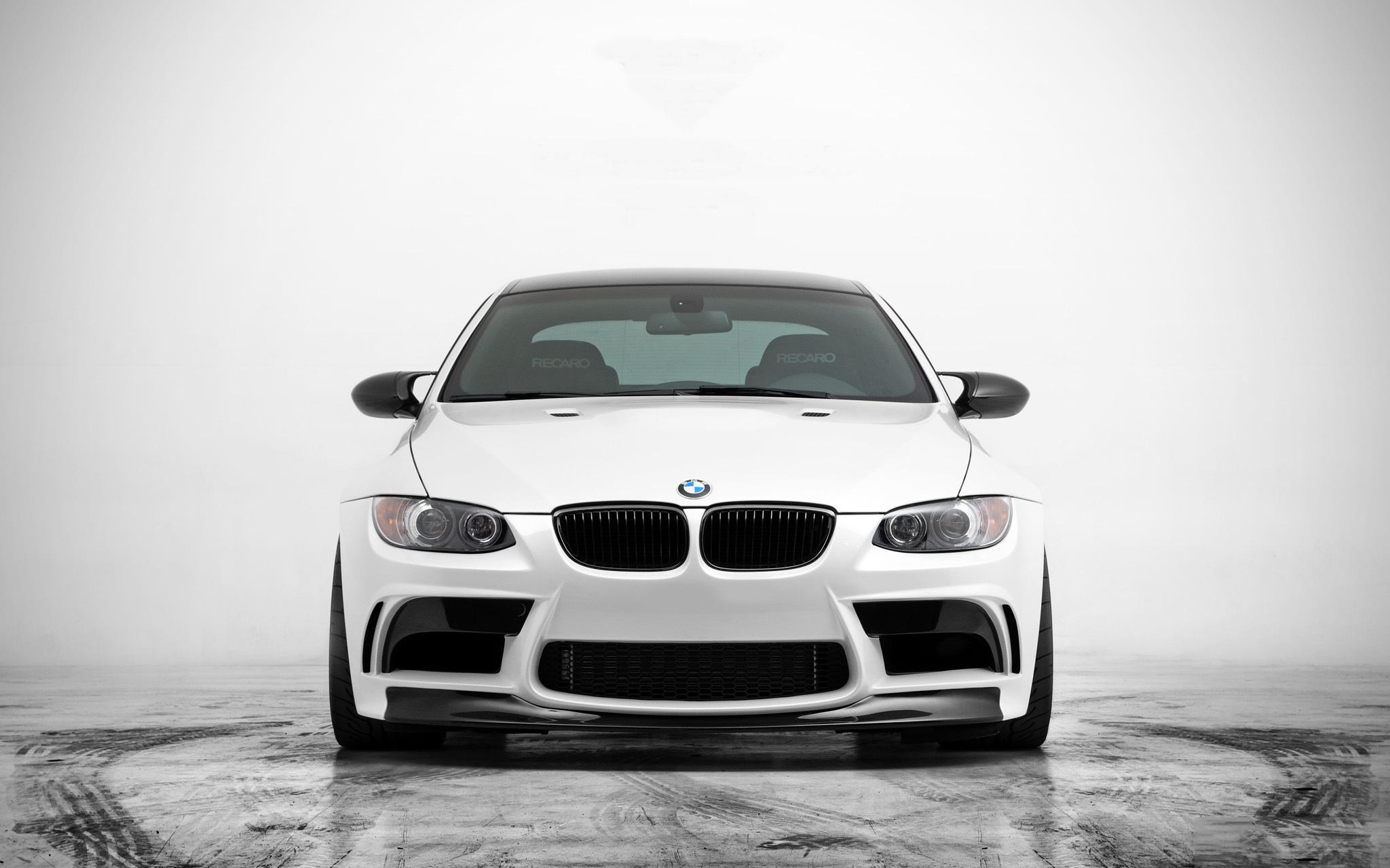 Белая BMW без смс