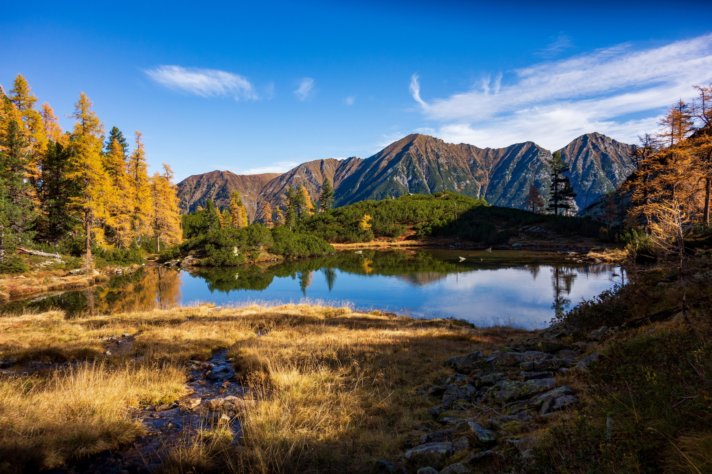 Обои для рабочего стола Австрия Горы Осень Природа Озеро Деревья гора осенние дерево дерева деревьев