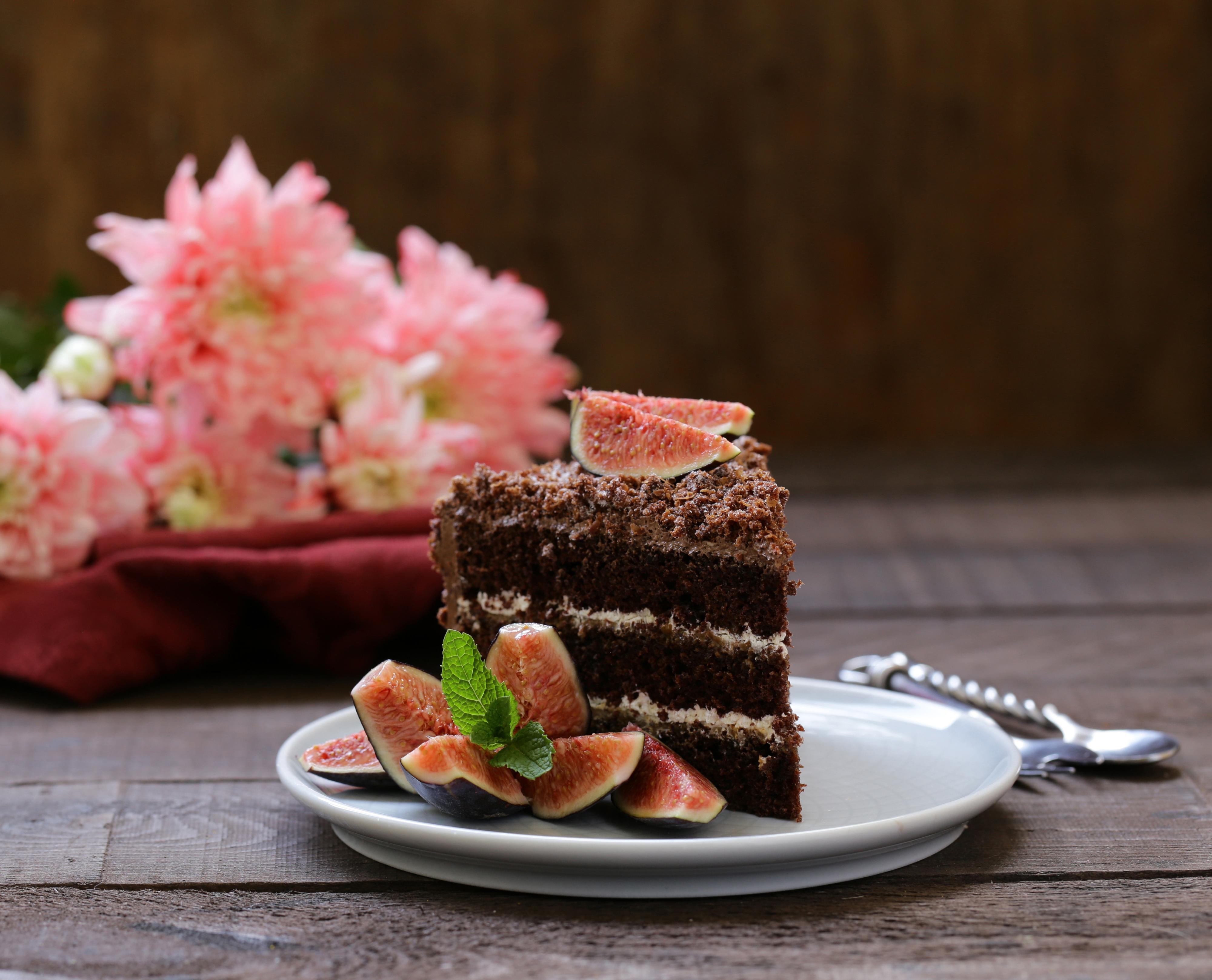 Фотографии Инжир Торты Кусок Пища тарелке Доски часть кусочки кусочек Еда Тарелка Продукты питания