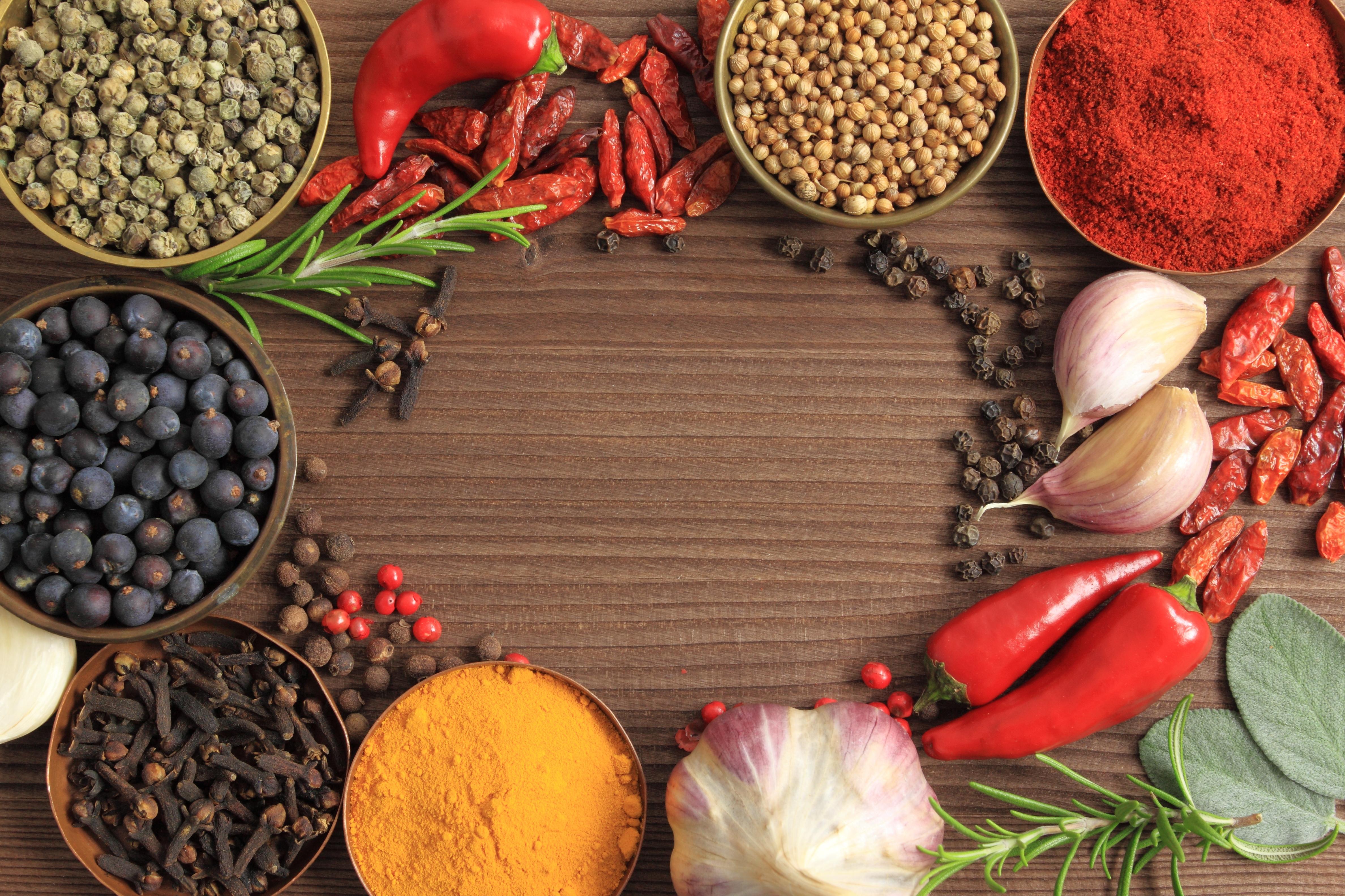 Картинки Чеснок Пища Перец Специи Много 4752x3168 Еда приправы пряности перец овощной Продукты питания