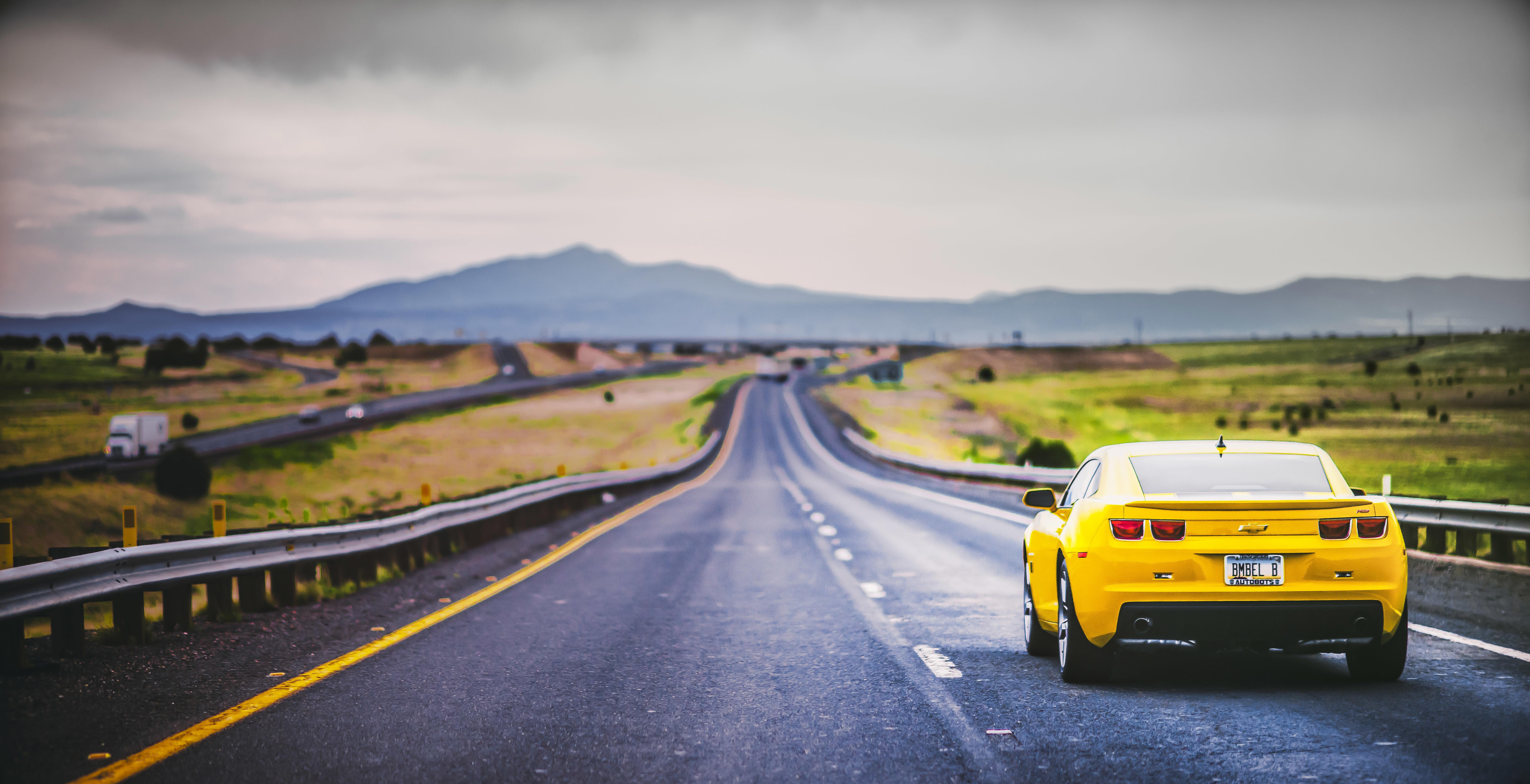 Chevrolet в пустыне скачать