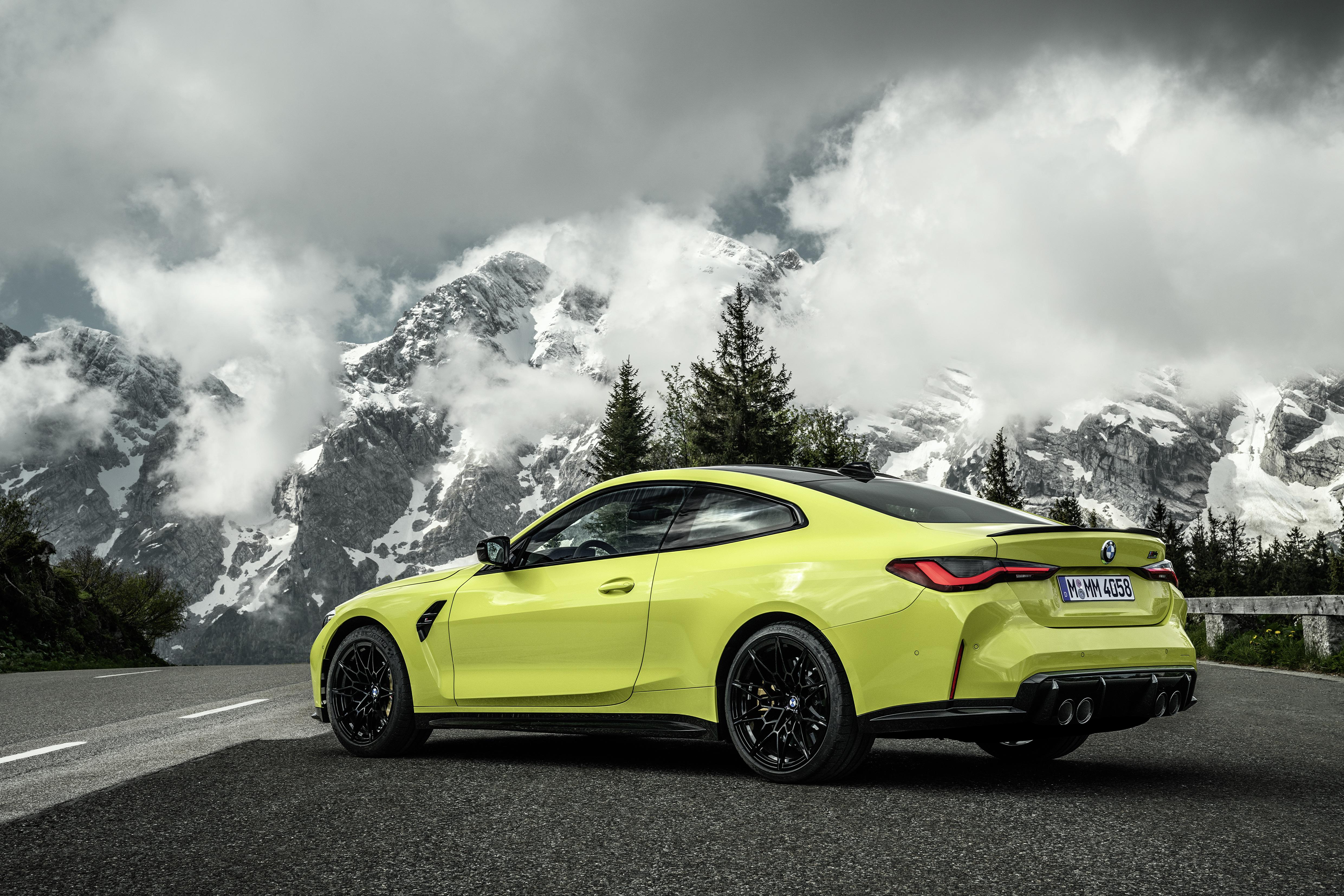 Картинки БМВ M4 Competition, (G82), 2020 Купе гора Природа Металлик автомобиль облачно BMW Горы авто машины машина Автомобили Облака облако