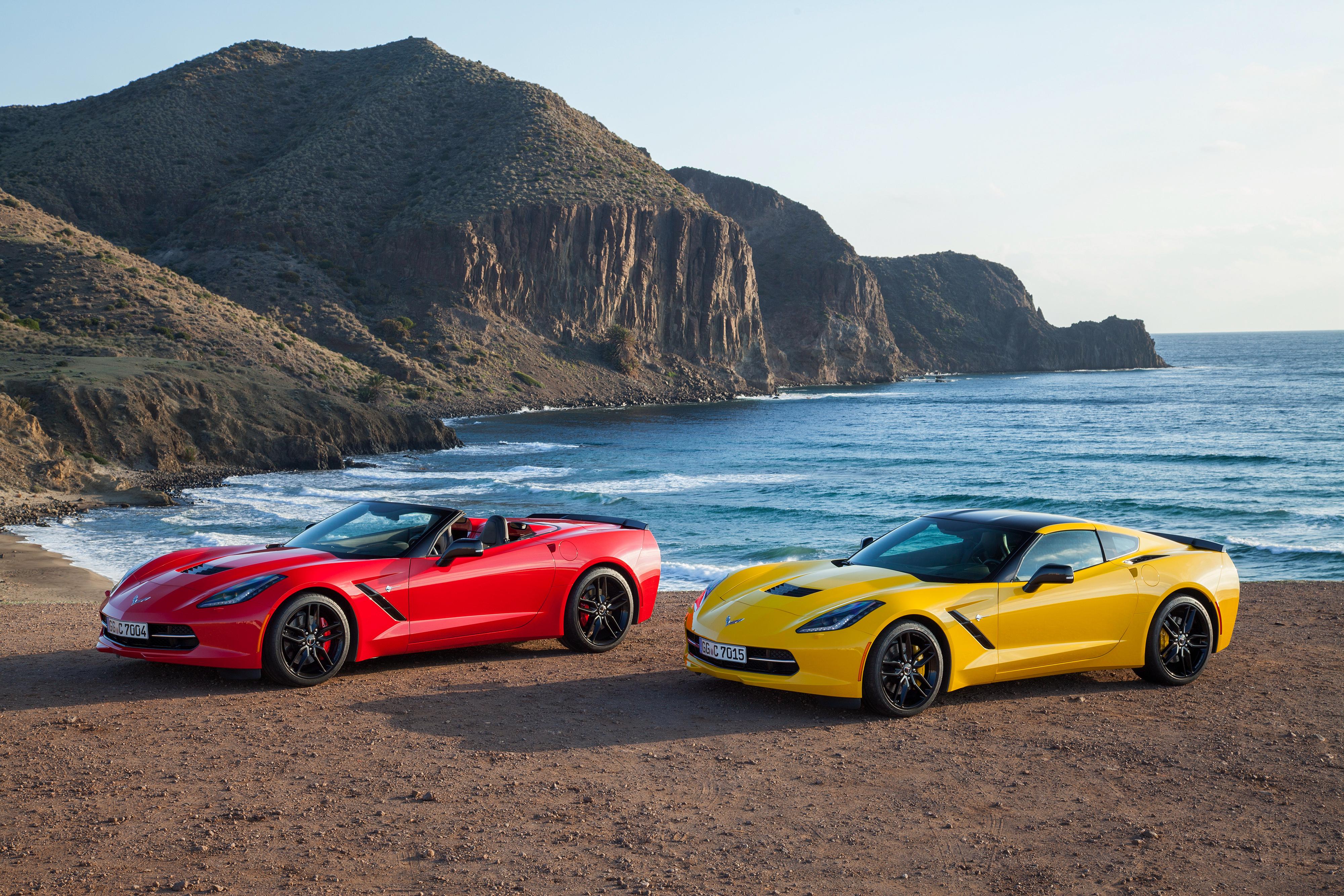 Chevrolet Corvette желтая дорога закат бесплатно