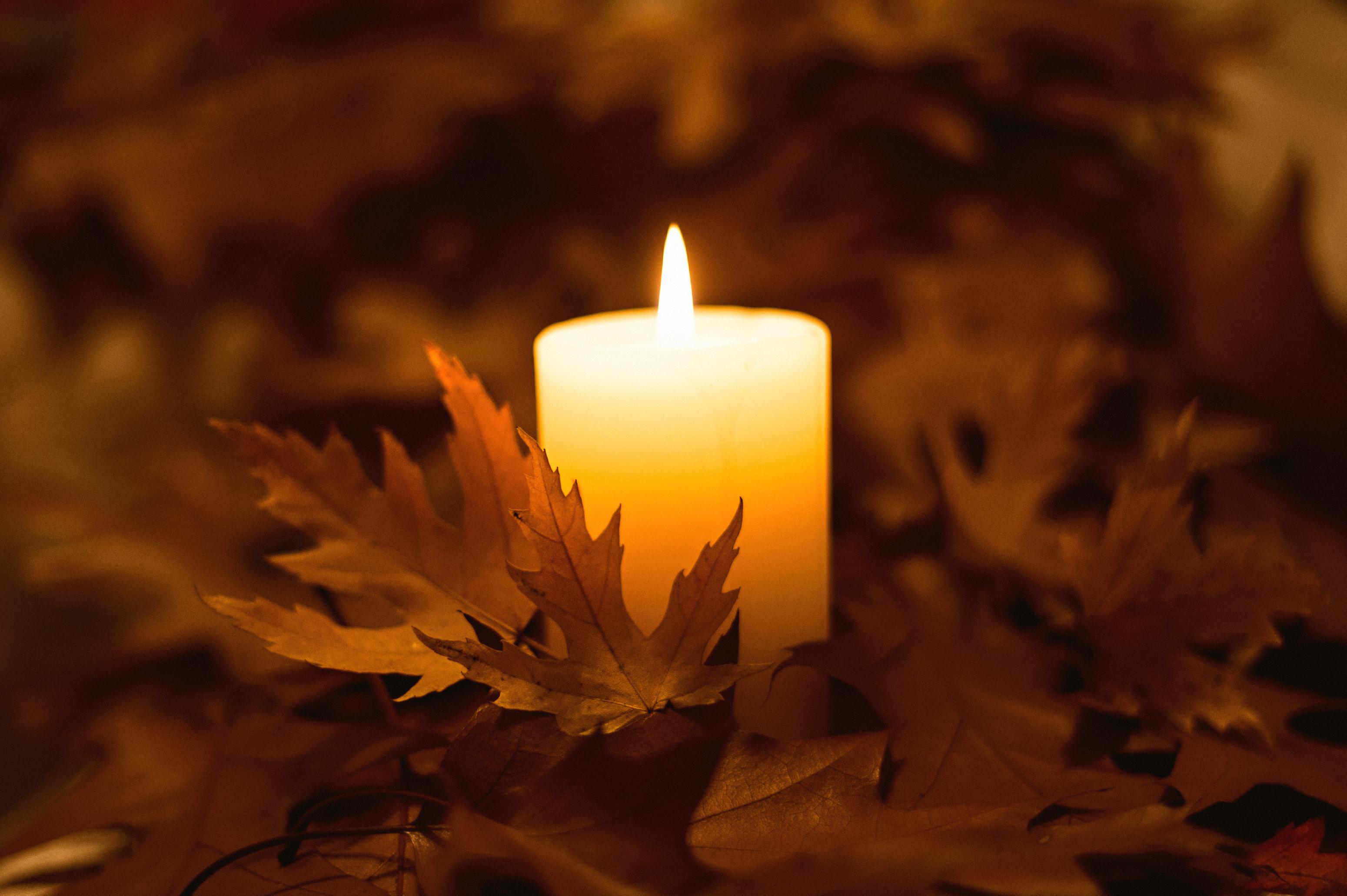 свечи пламя отражение скачать