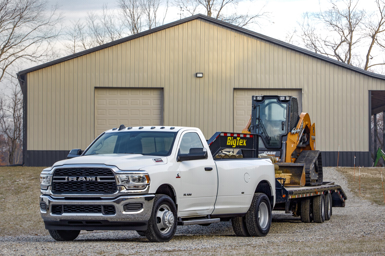 Фото Додж 2019 Ram 3500 Tradesman Regular Cab Chrome Appearance Package Dually Пикап кузов белая Металлик Автомобили Dodge белых белые Белый авто машина машины автомобиль