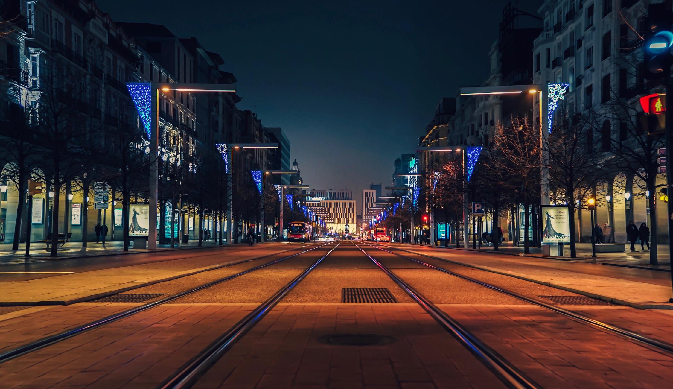 Фотография Испания Zaragoza Улица Дороги Вечер Дома Города 2250x1300 Здания