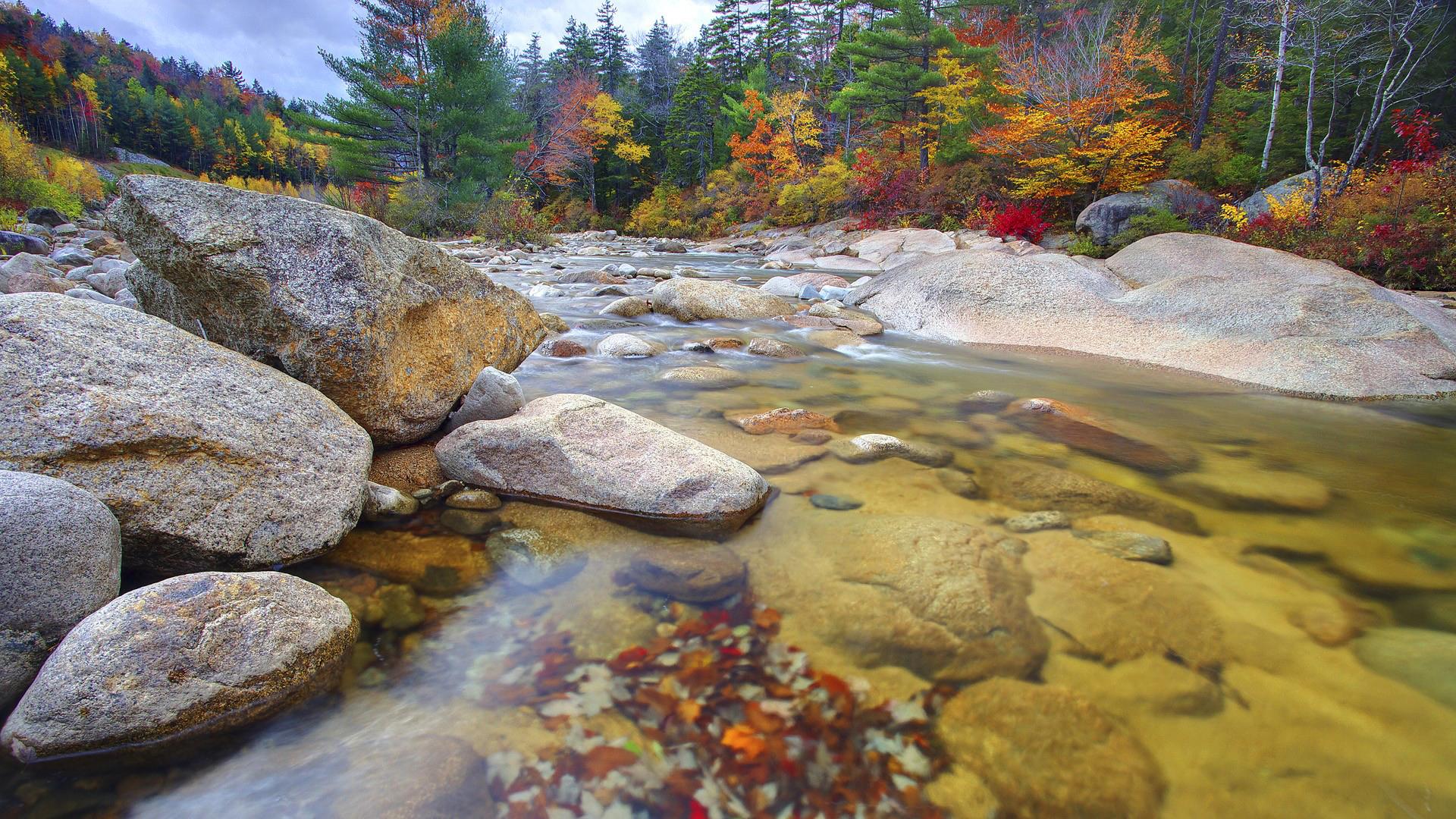 гора речка камни смотреть