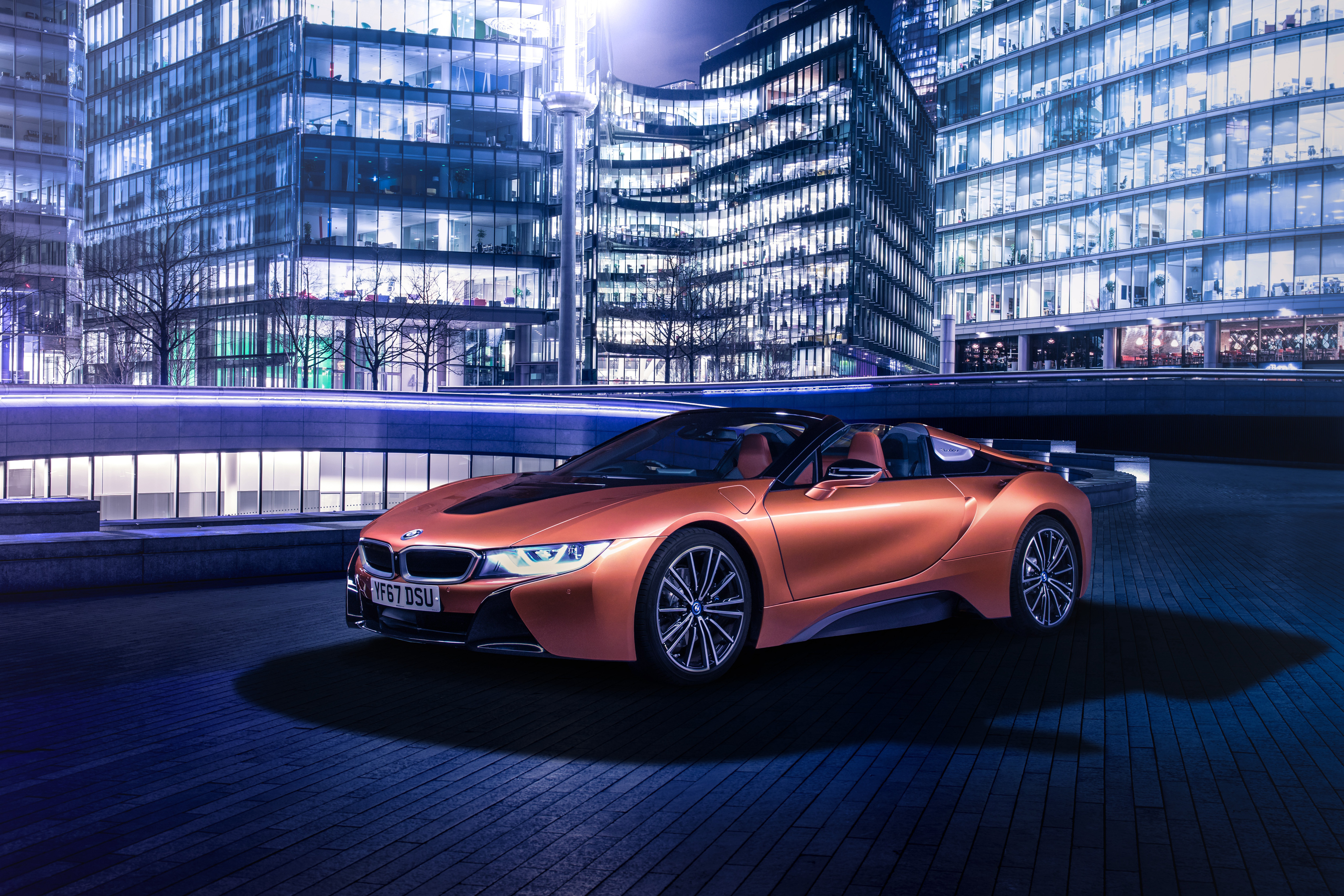 Обои BMW 2018 i8 Roadster Родстер оранжевые автомобиль 4096x2731 БМВ оранжевых Оранжевый оранжевая авто машина машины Автомобили