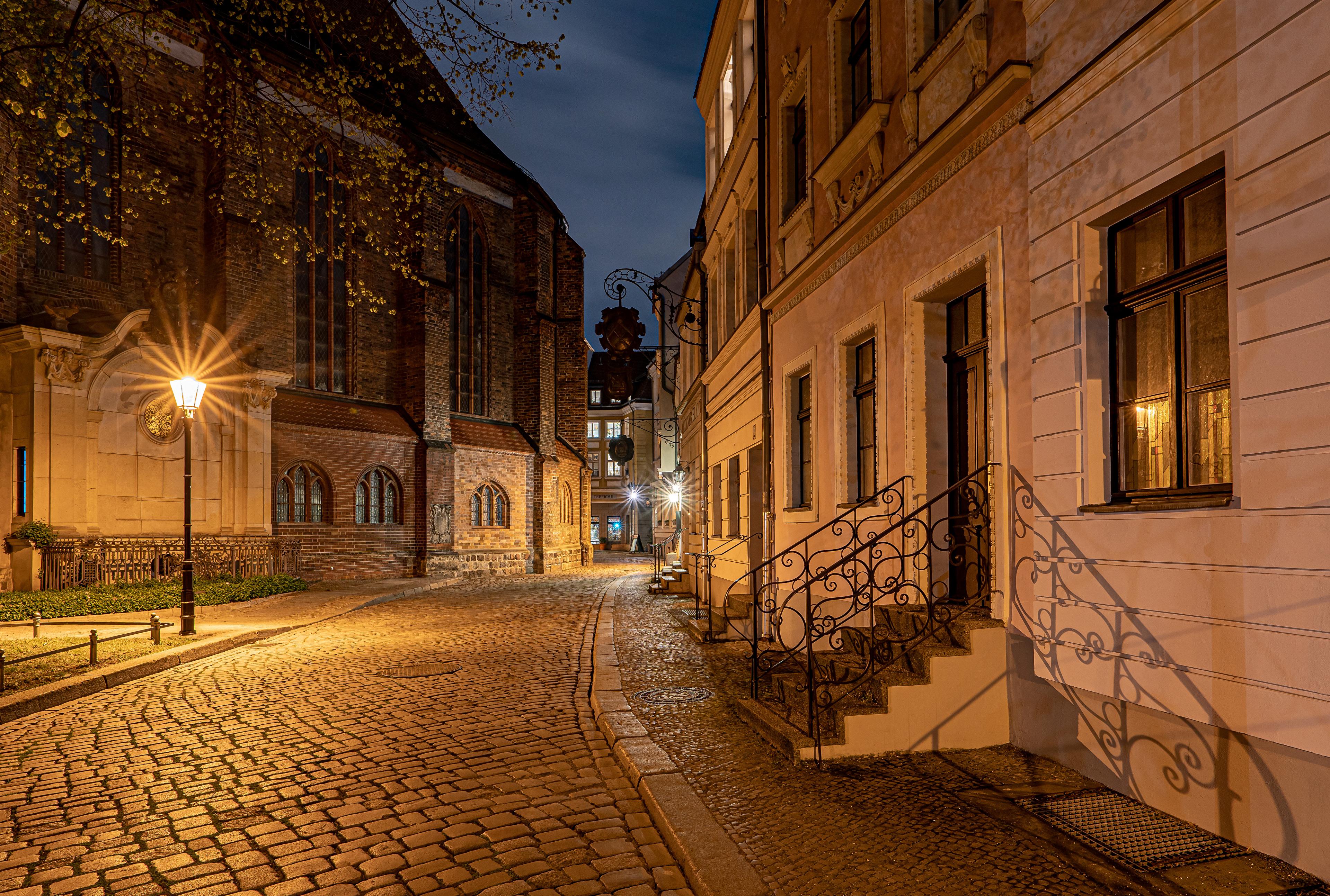 Картинка Берлин Германия Улица Уличные фонари Дома город улиц улице Здания Города