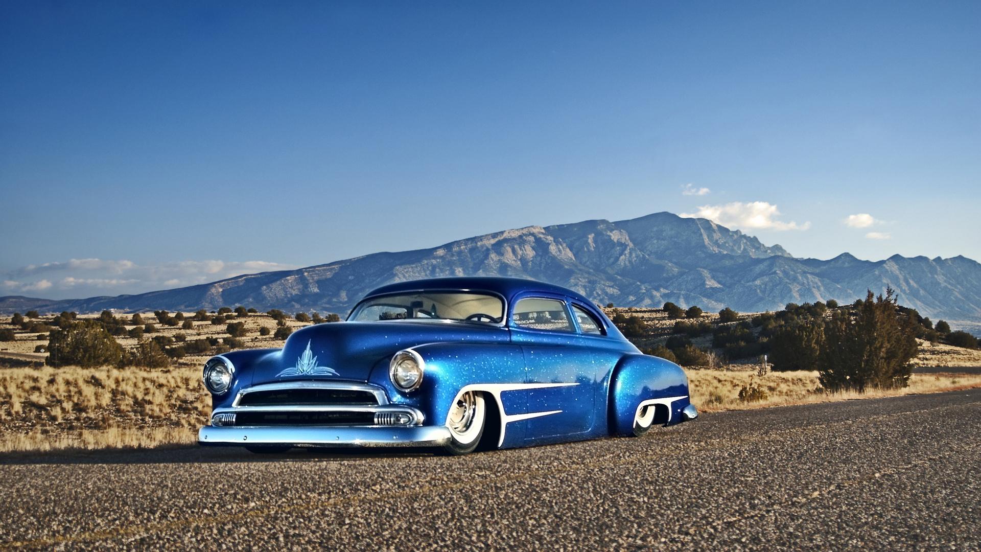 Ретро автомобиль синий без смс