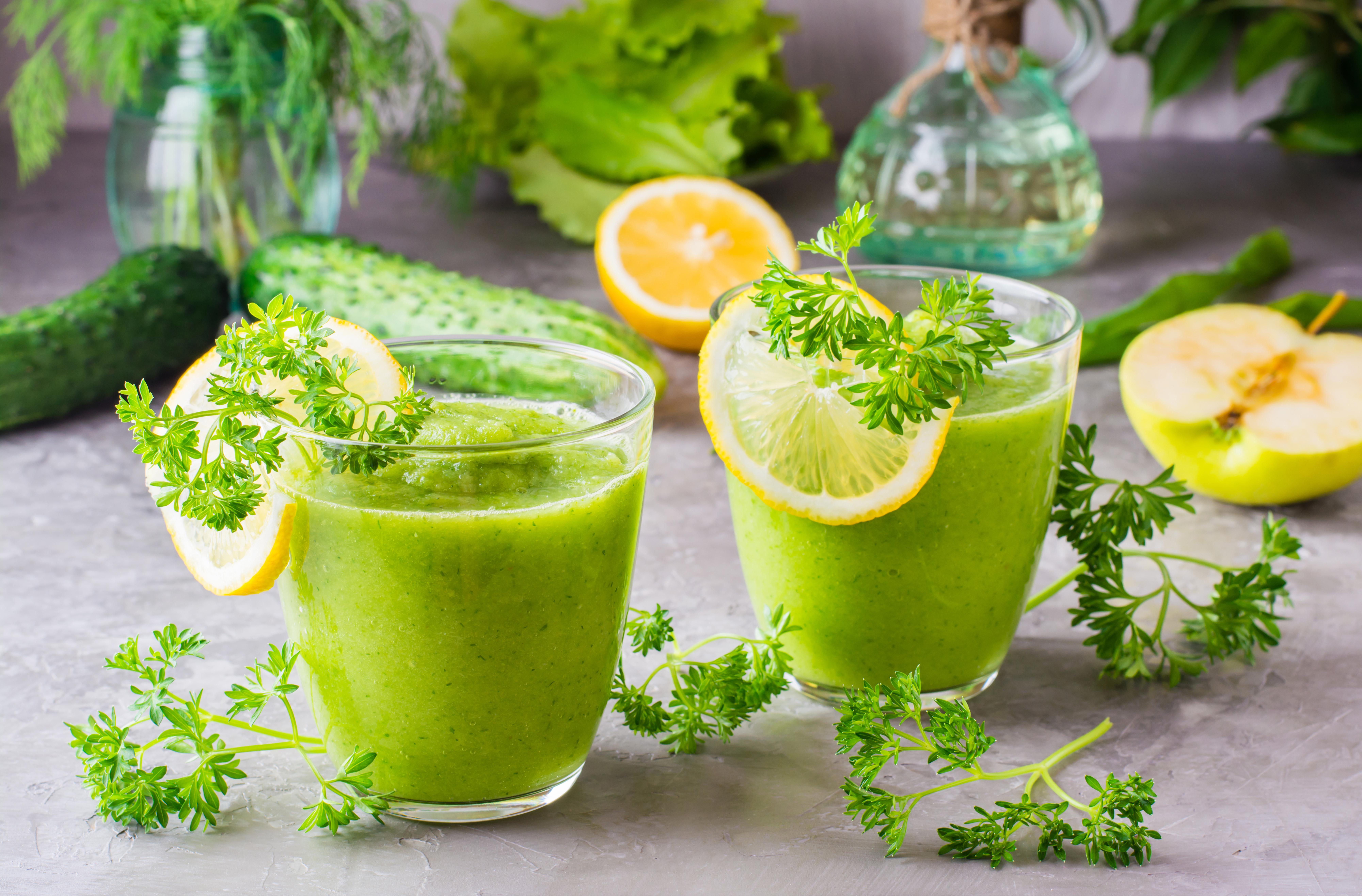 Фото Смузи 2 Лимоны стакане Пища Овощи две два Двое вдвоем Стакан стакана Еда Продукты питания