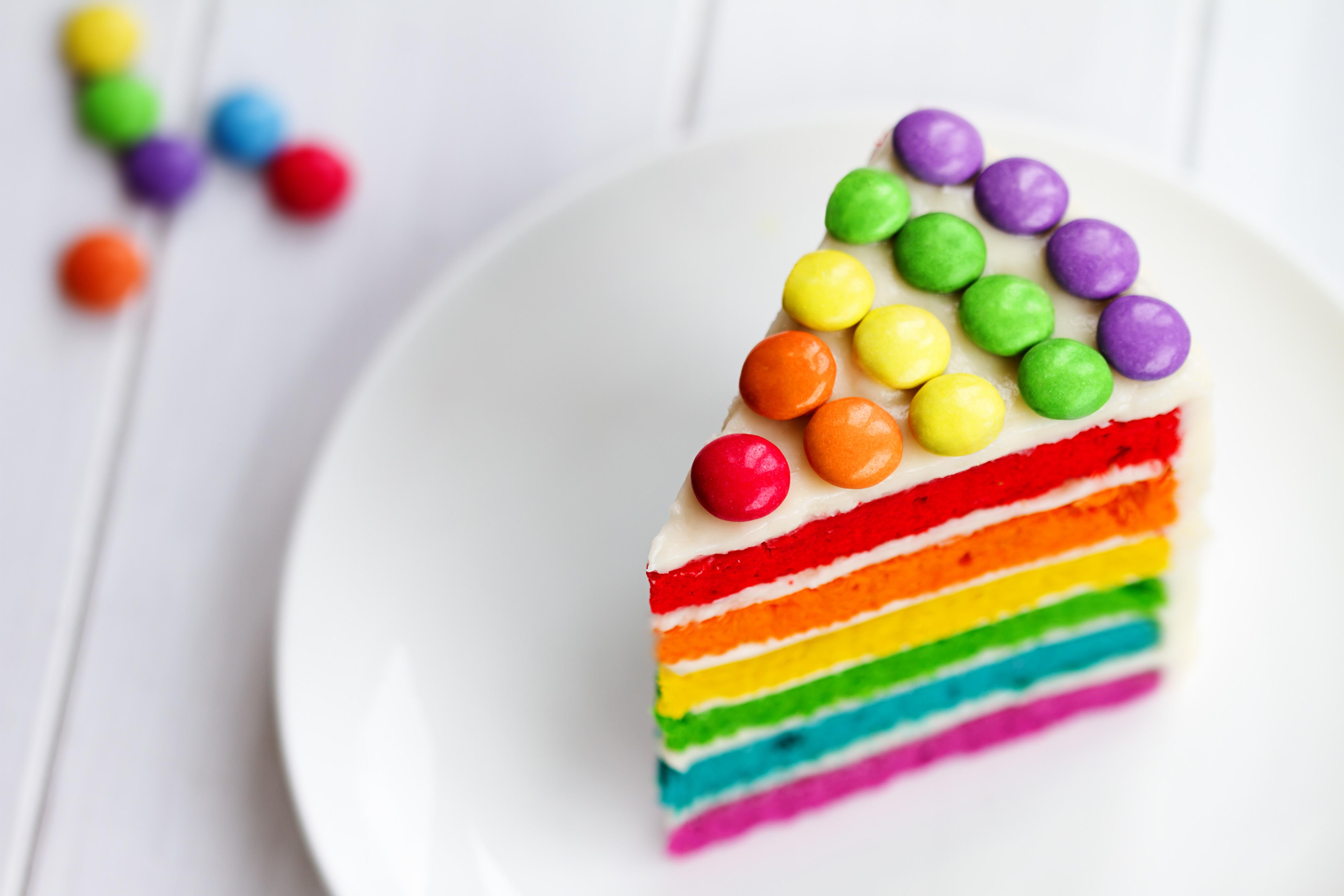 Картинка День рождения Разноцветные Торты часть Продукты питания Кусок кусочки кусочек Еда Пища