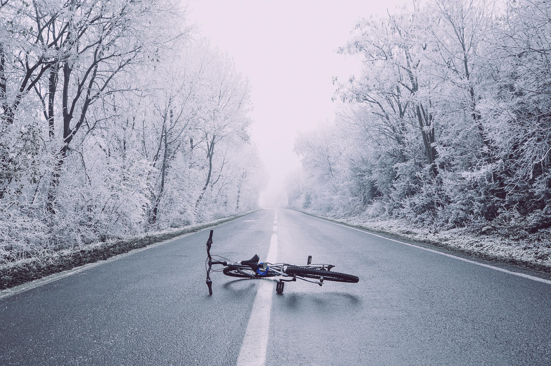 В Курчатове ВАЗ сбил велосипедиста-пенсионера