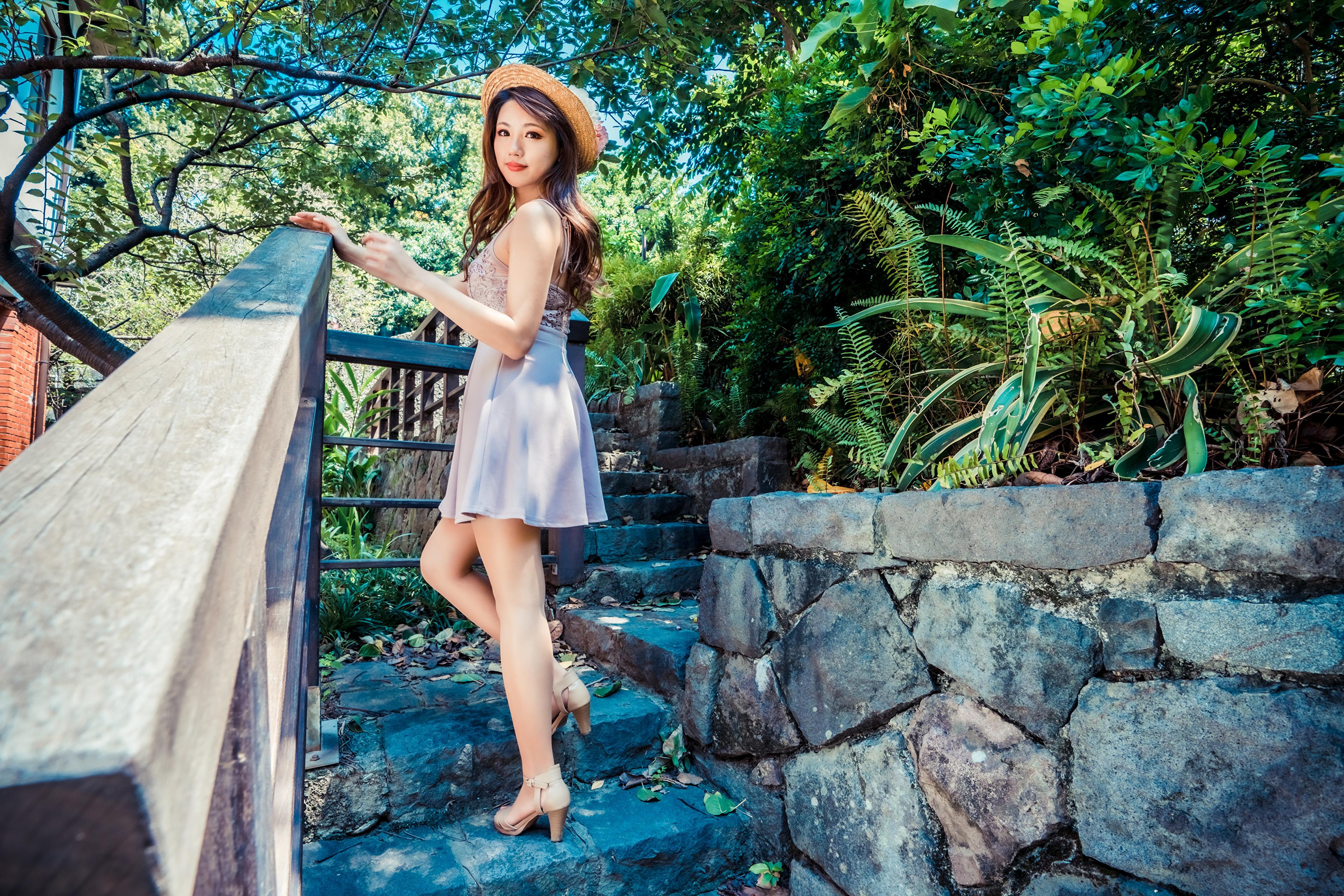 Картинки шляпы девушка Азиаты Взгляд Платье 3840x2561 Шляпа шляпе Девушки молодая женщина молодые женщины азиатки азиатка смотрит смотрят платья