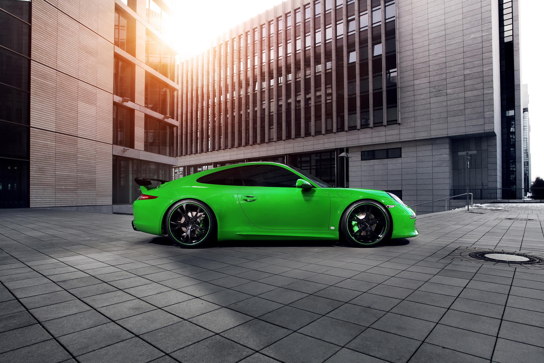 зеленый автомобиль спортивный бесплатно