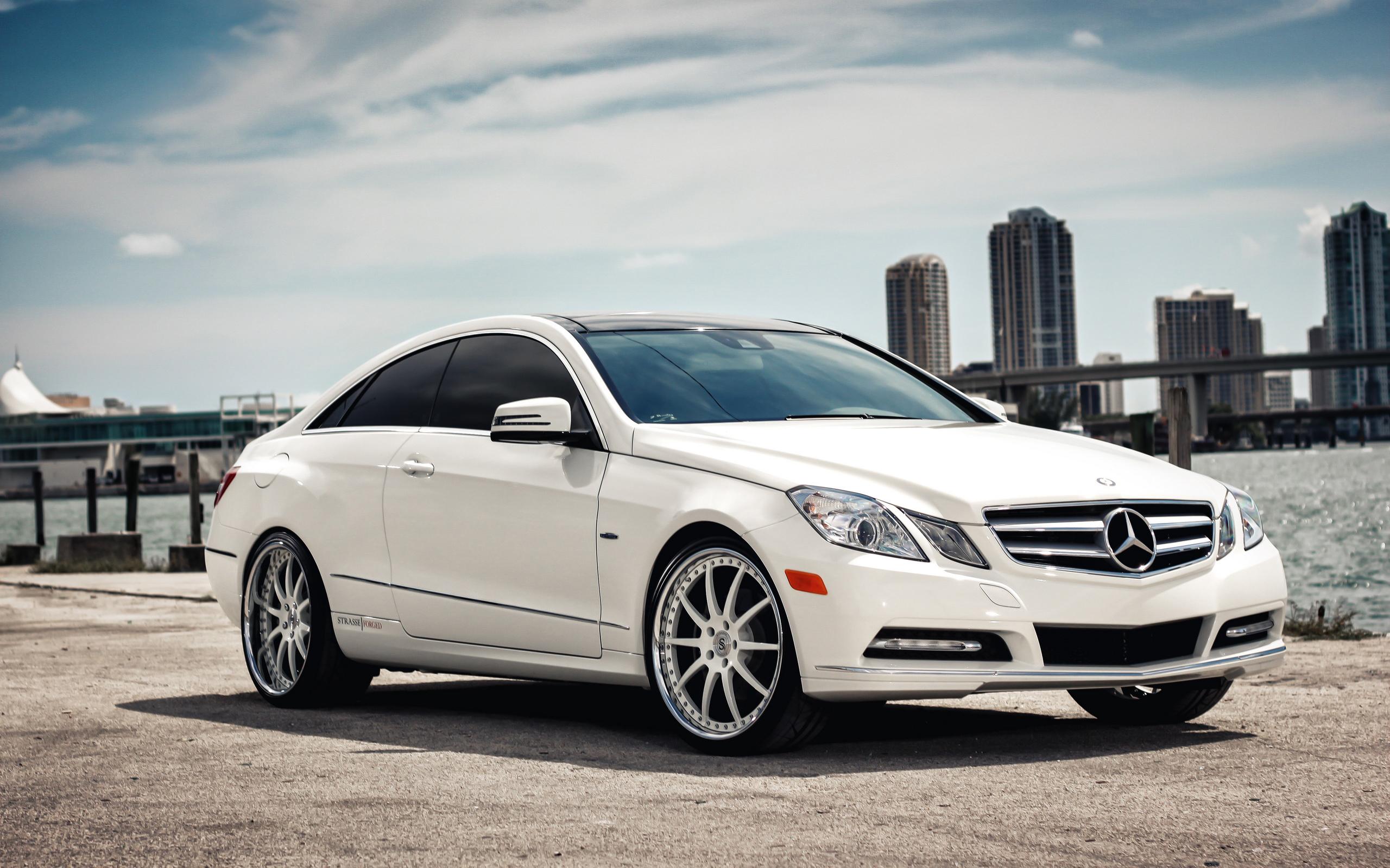 Mercedes белый загрузить