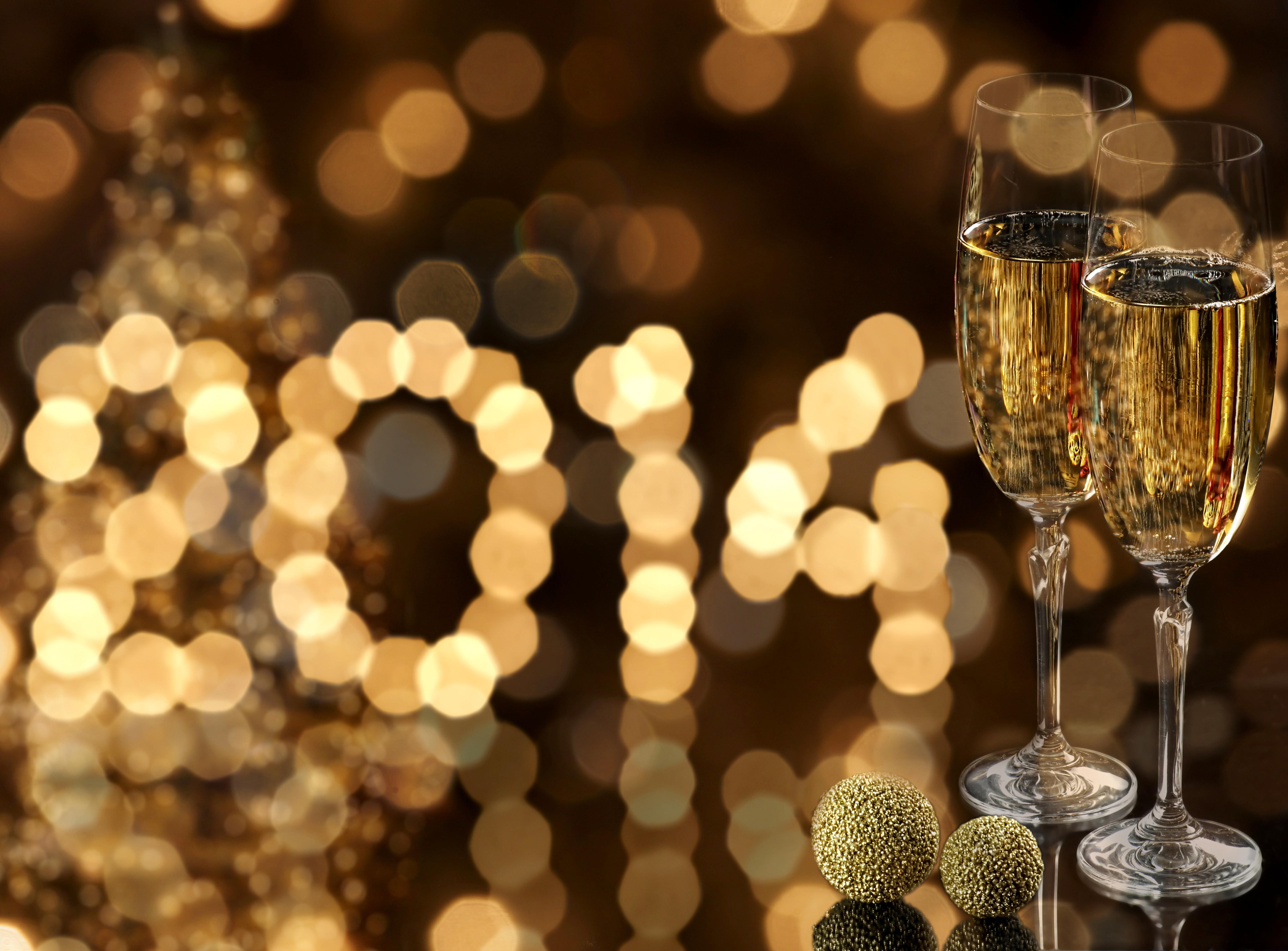 бокалы шампанского на праздник загрузить