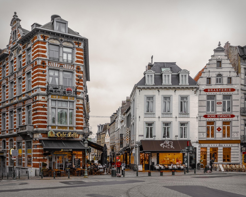 Обои для рабочего стола Бельгия Brussels Кафе Улица Города Здания 3000x2400 улиц улице Дома город