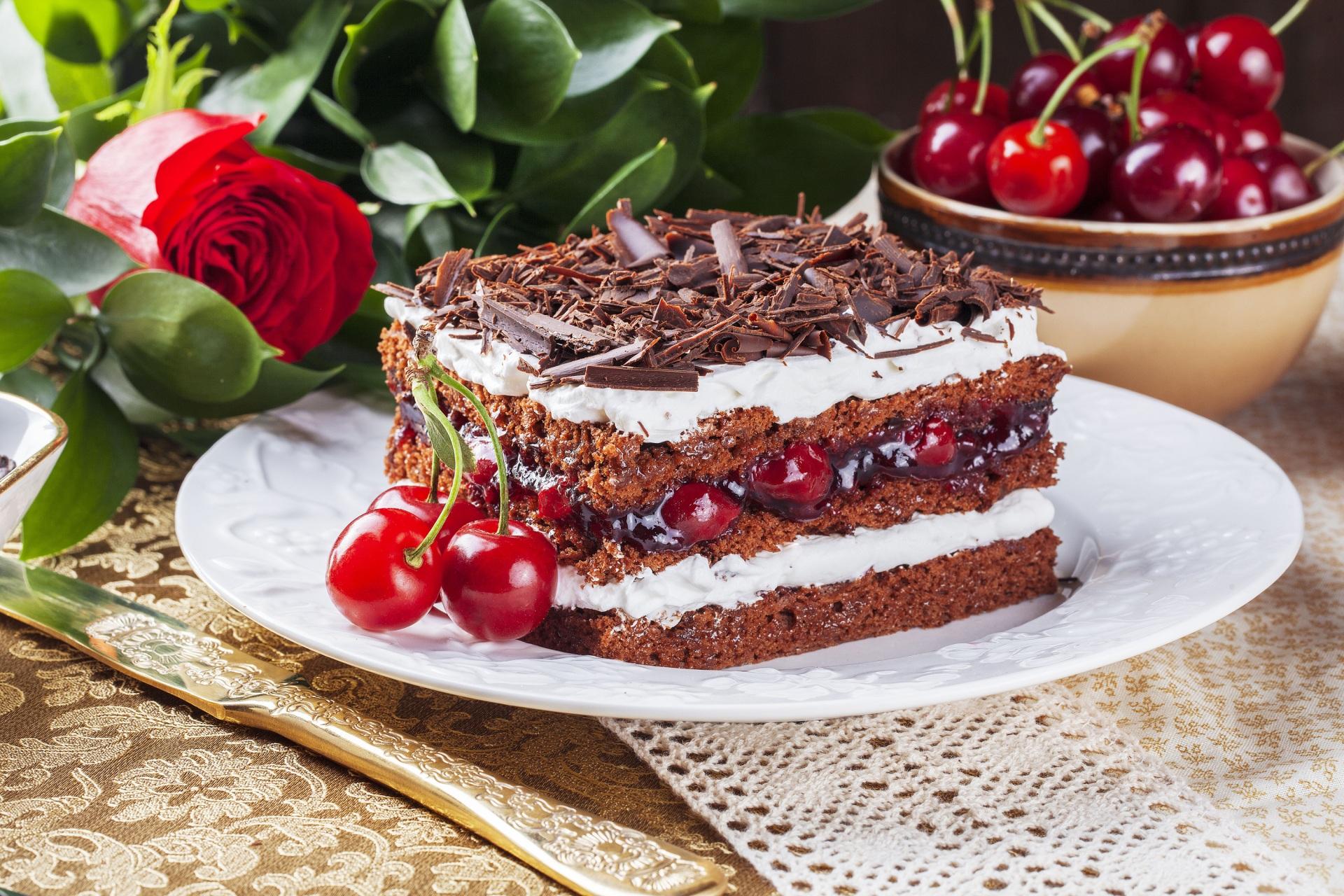 Фото Шоколад Розы Торты Кусок Черешня Продукты питания 1920x1280 часть Вишня Еда Пища