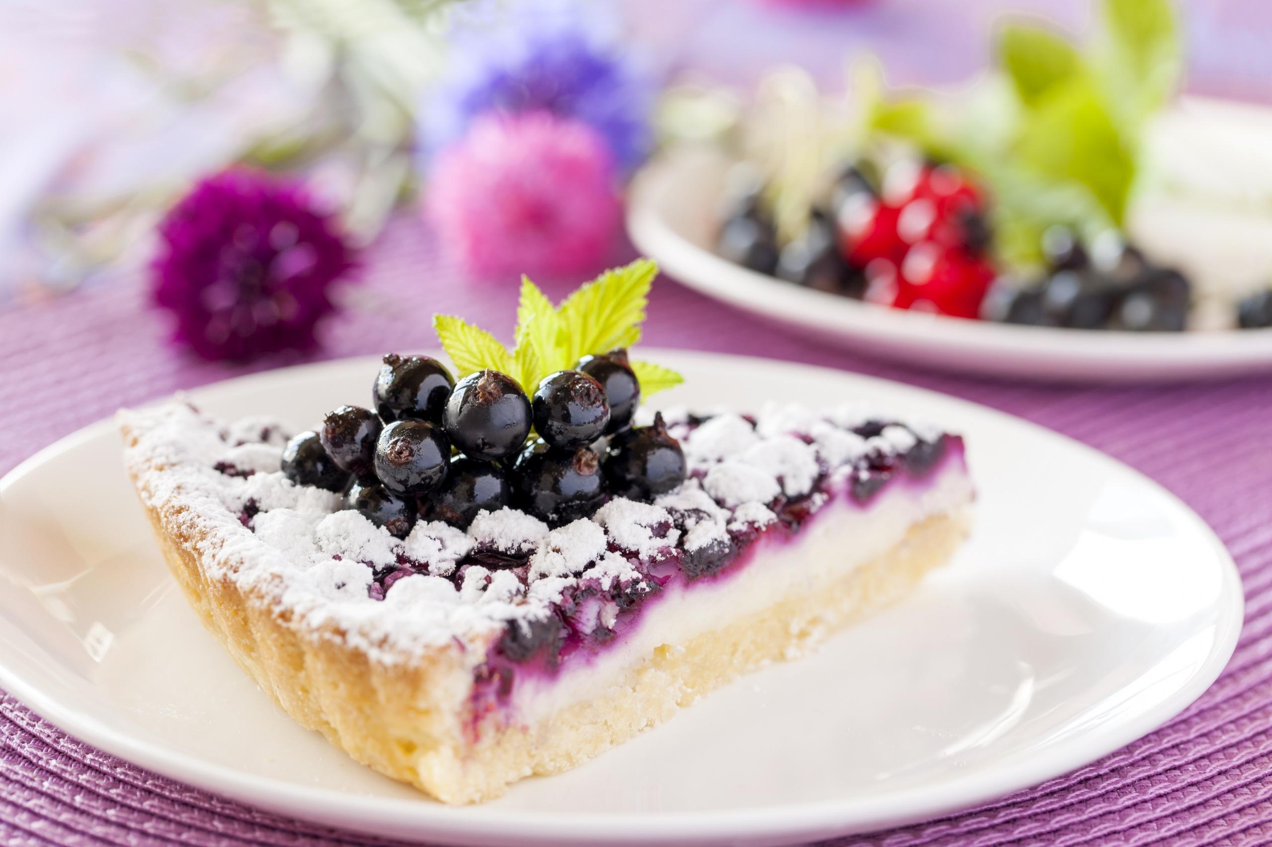 Фото Пирог кусочки Черника Еда тарелке 2560x1706 часть Кусок кусочек Пища Тарелка Продукты питания