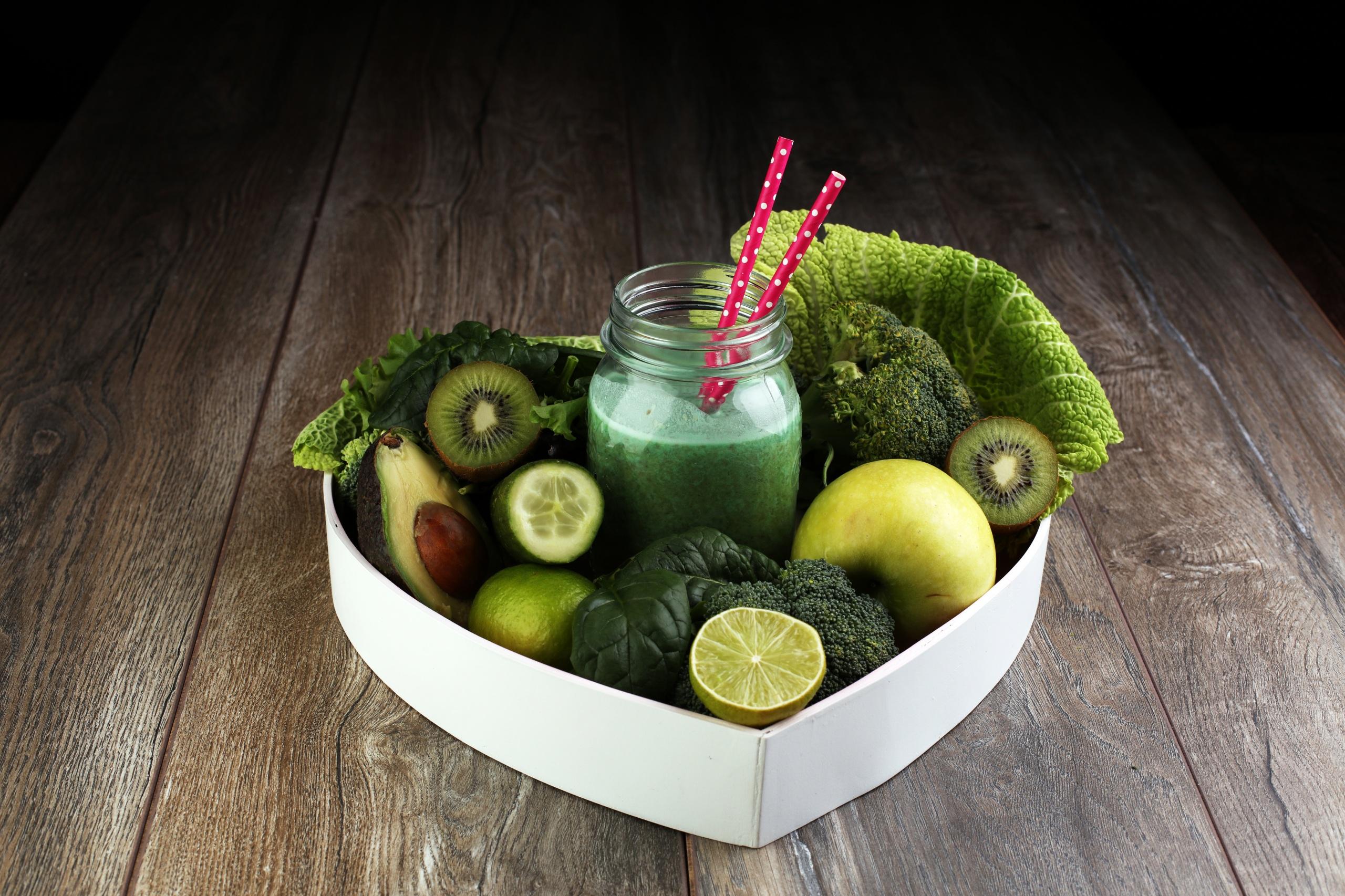 Фотография Овощи зеленых Банка Еда Смузи Фрукты Доски 2560x1706 Зеленый зеленые зеленая банки банке Пища Продукты питания