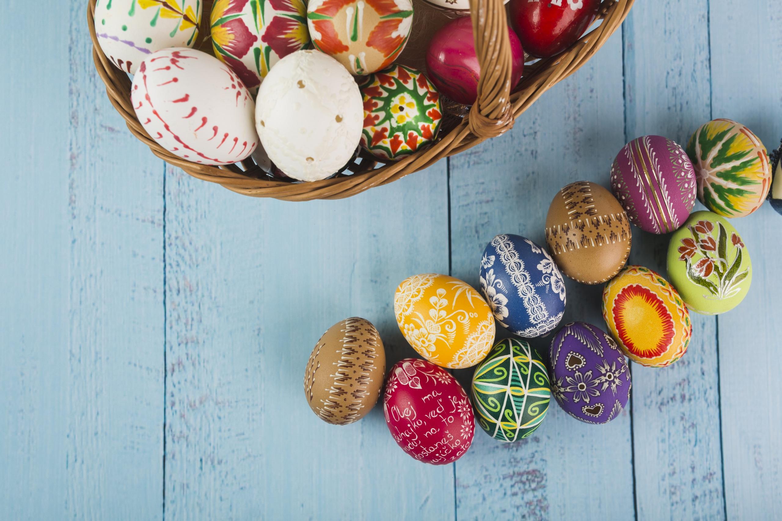 Картинки Пасха яйцами Доски Дизайн 2560x1706 яиц Яйца яйцо дизайна