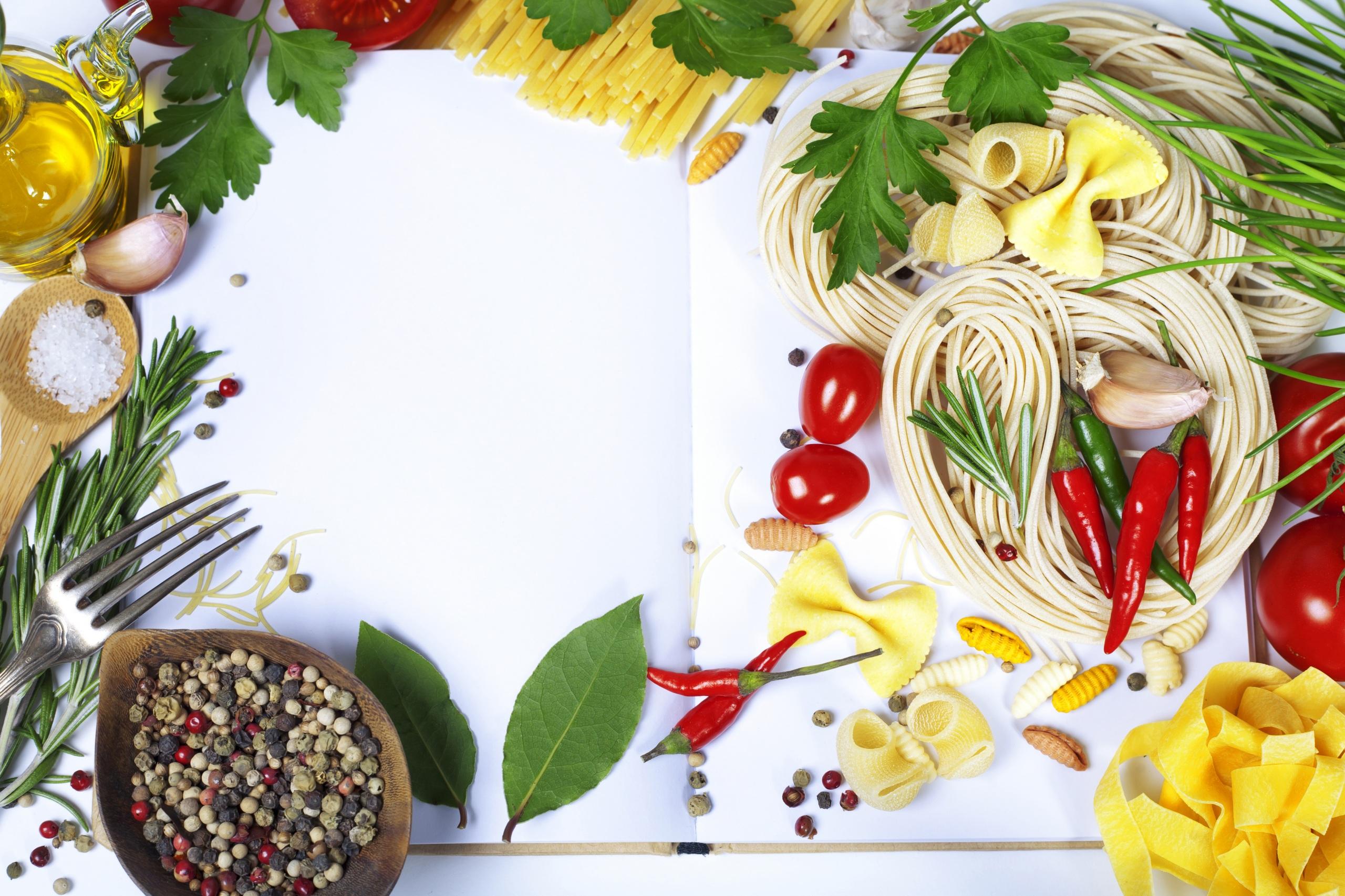 Картинка Помидоры Макароны Острый перец чили Чеснок Еда Овощи пряности 2560x1706 Томаты Пища Специи приправы Продукты питания