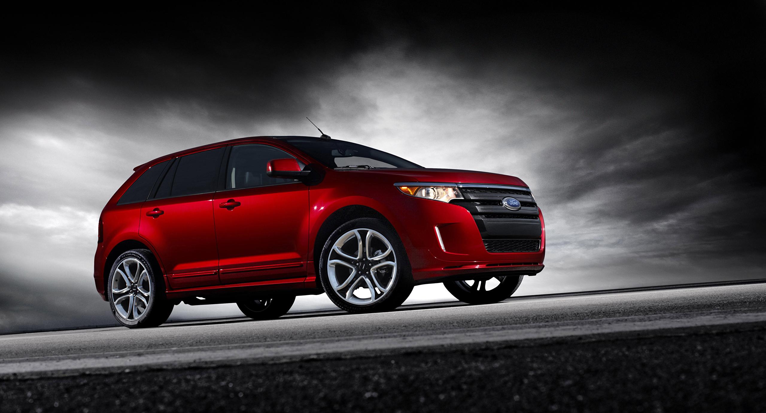 красный автомобиль джип Ford Explorer Sport загрузить
