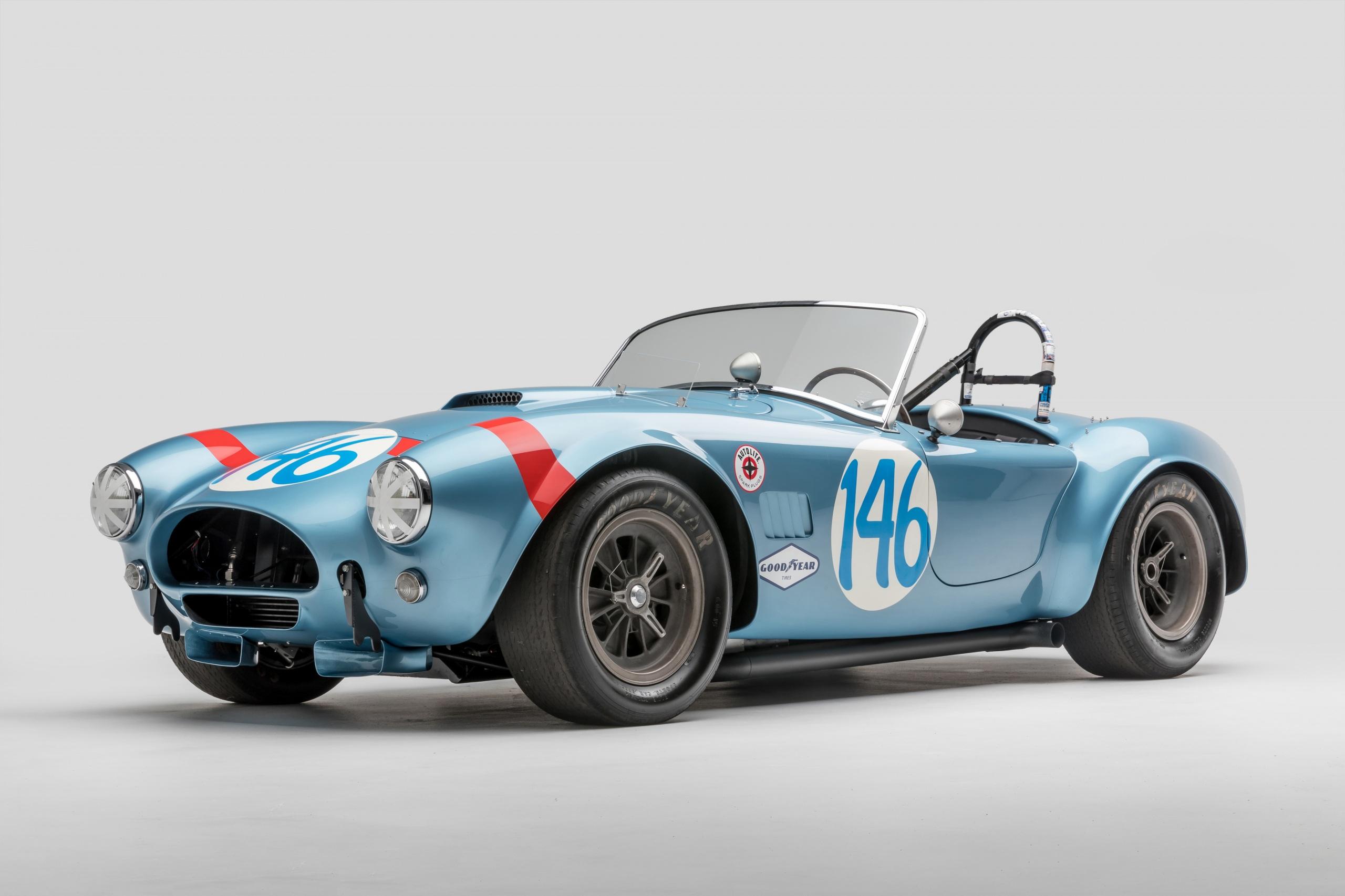 Обои SSC 1964 Shelby Cobra 289 FIA Competition Родстер Кабриолет Ретро Голубой Автомобили сером фоне 2560x1706 Shelby Super Cars кабриолета Винтаж голубых голубые голубая старинные Авто Машины Серый фон