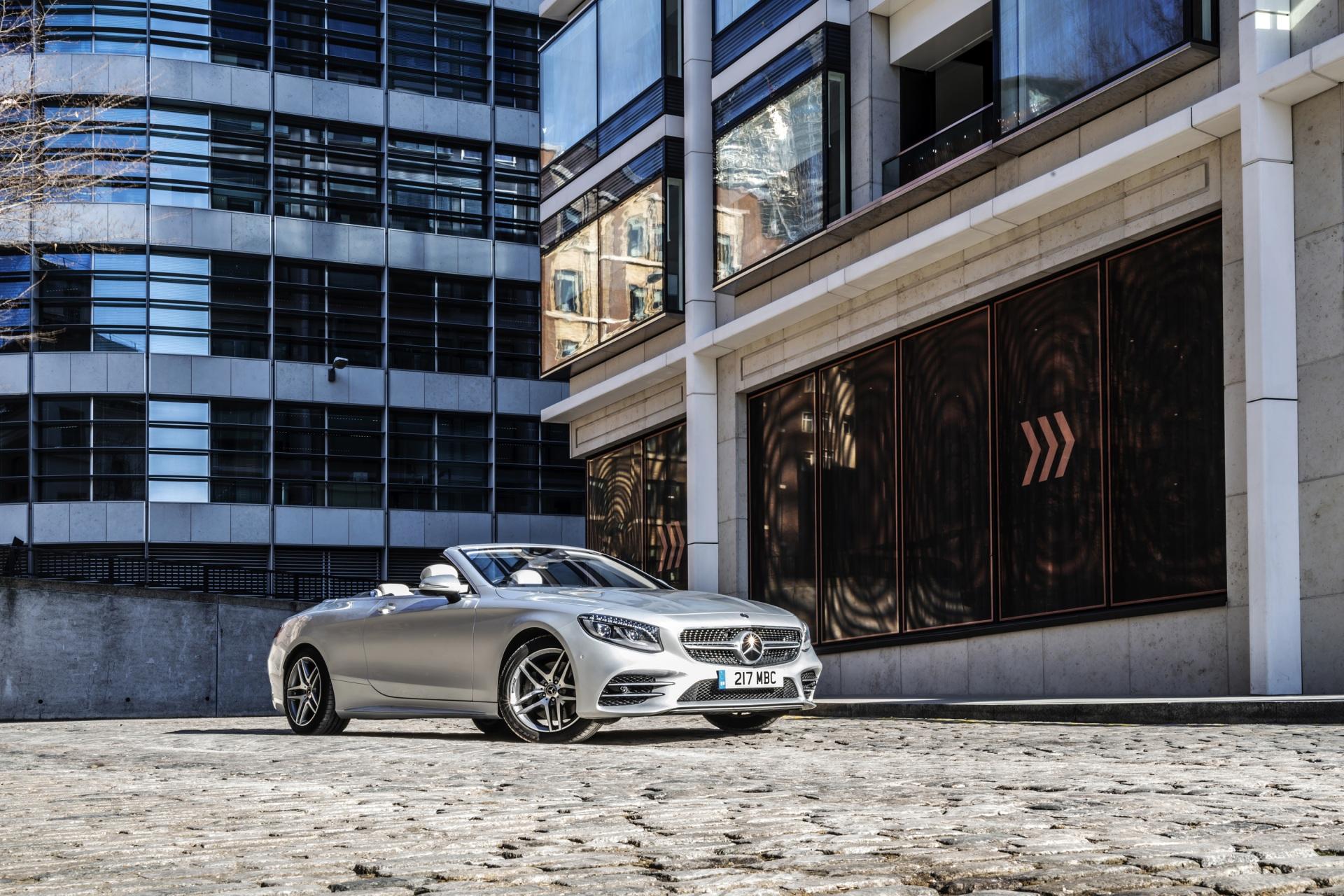 Картинки Mercedes-Benz 2018-19 S 560 Cabriolet AMG Line Кабриолет серебристая машины 1920x1280 Мерседес бенц кабриолета серебряный серебряная Серебристый авто машина автомобиль Автомобили
