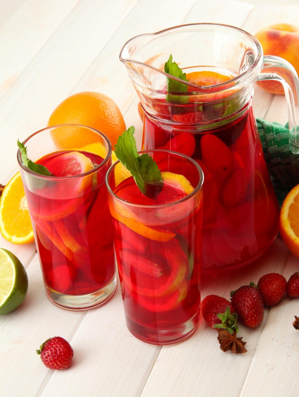 Фото Апельсин Стакан Кувшин Клубника Пища Напитки 1082x1440 стакана стакане кувшины Еда Продукты питания
