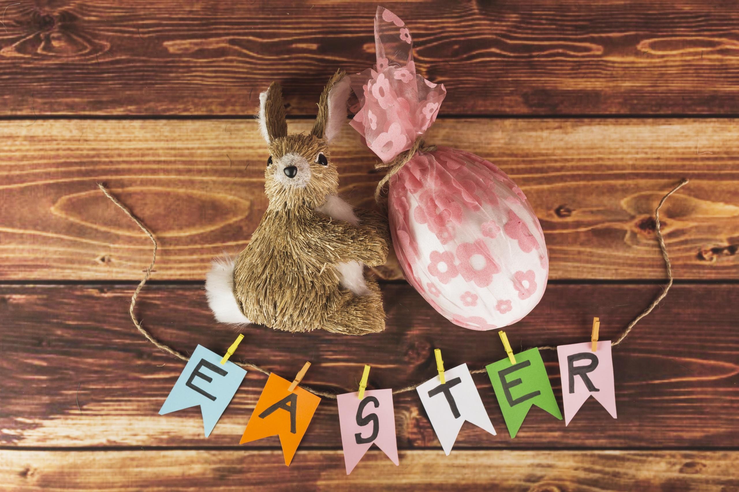 Картинка Пасха Кролики Английский Яйца Доски 2560x1706 инглийские английская яиц яйцо яйцами