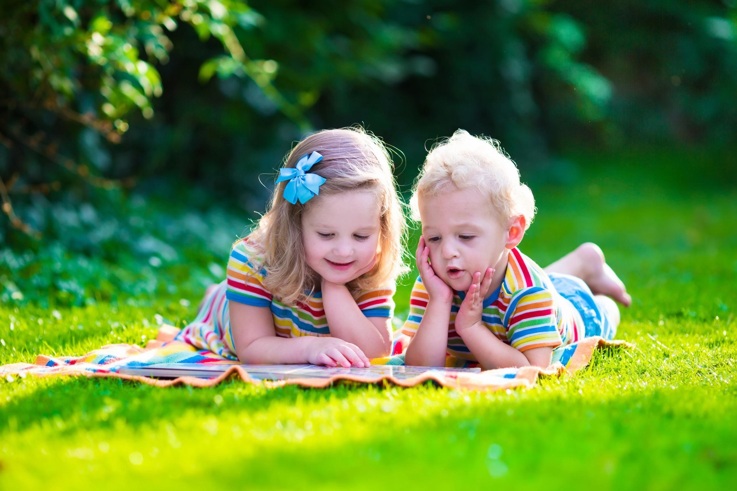 Фото мальчика и девушка, Boy And Girl Love Фото со стоков и изображения 23 фотография