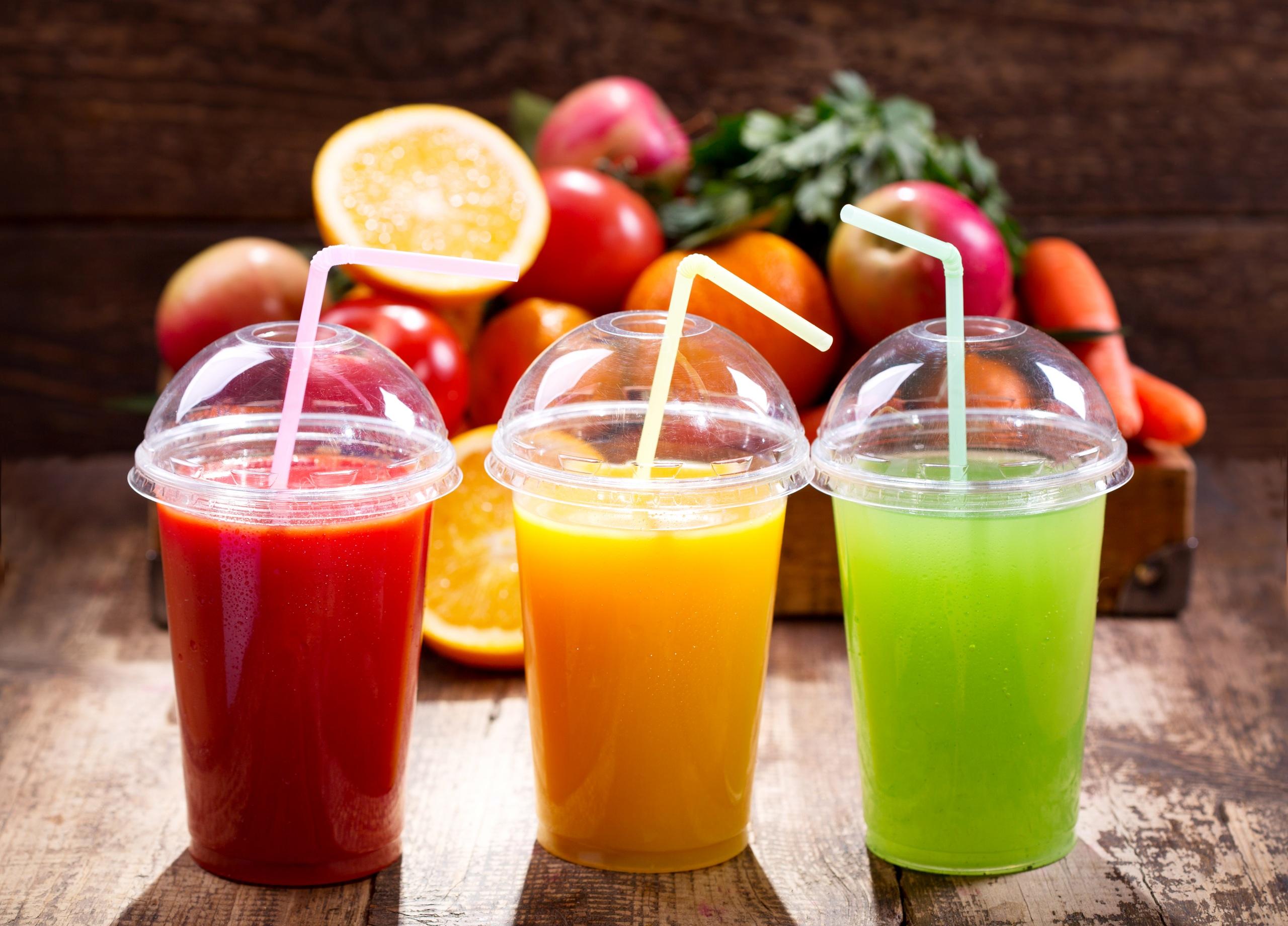 Картинки Сок Стакан Еда Трое 3 Фрукты 2560x1841 стакана стакане три Пища втроем Продукты питания