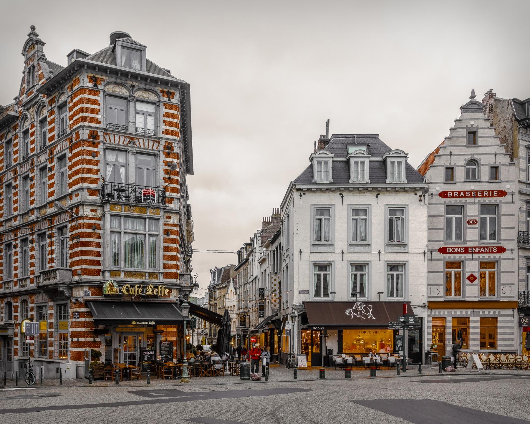 Обои для рабочего стола Бельгия Brussels Кафе Улица Города Здания 1800x1440 улиц улице Дома город