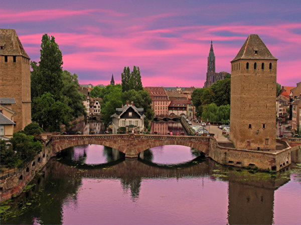 Фотографии Франция Alsace Strasbour Мосты Реки Города 600x450 мост река речка город