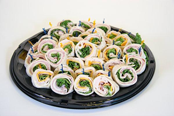 Картинки Быстрое питание Еда Много 600x400 Фастфуд Пища Продукты питания