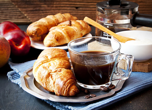 Картинки Кофе Круассан Еда чашке Выпечка 600x436 Пища Чашка Продукты питания