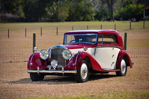 Картинка Бентли 1939 4 ¼ Litre Coupe by Park Ward винтаж Металлик Автомобили 600x397 Bentley Ретро старинные авто машины машина автомобиль