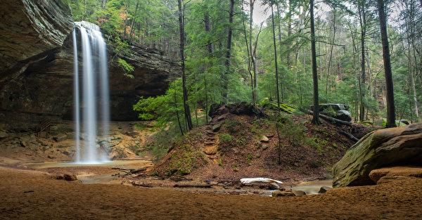 Фото США Hocking Hills Ohio Утес Природа Водопады парк Леса 600x313 штаты америка Скала скале скалы лес Парки